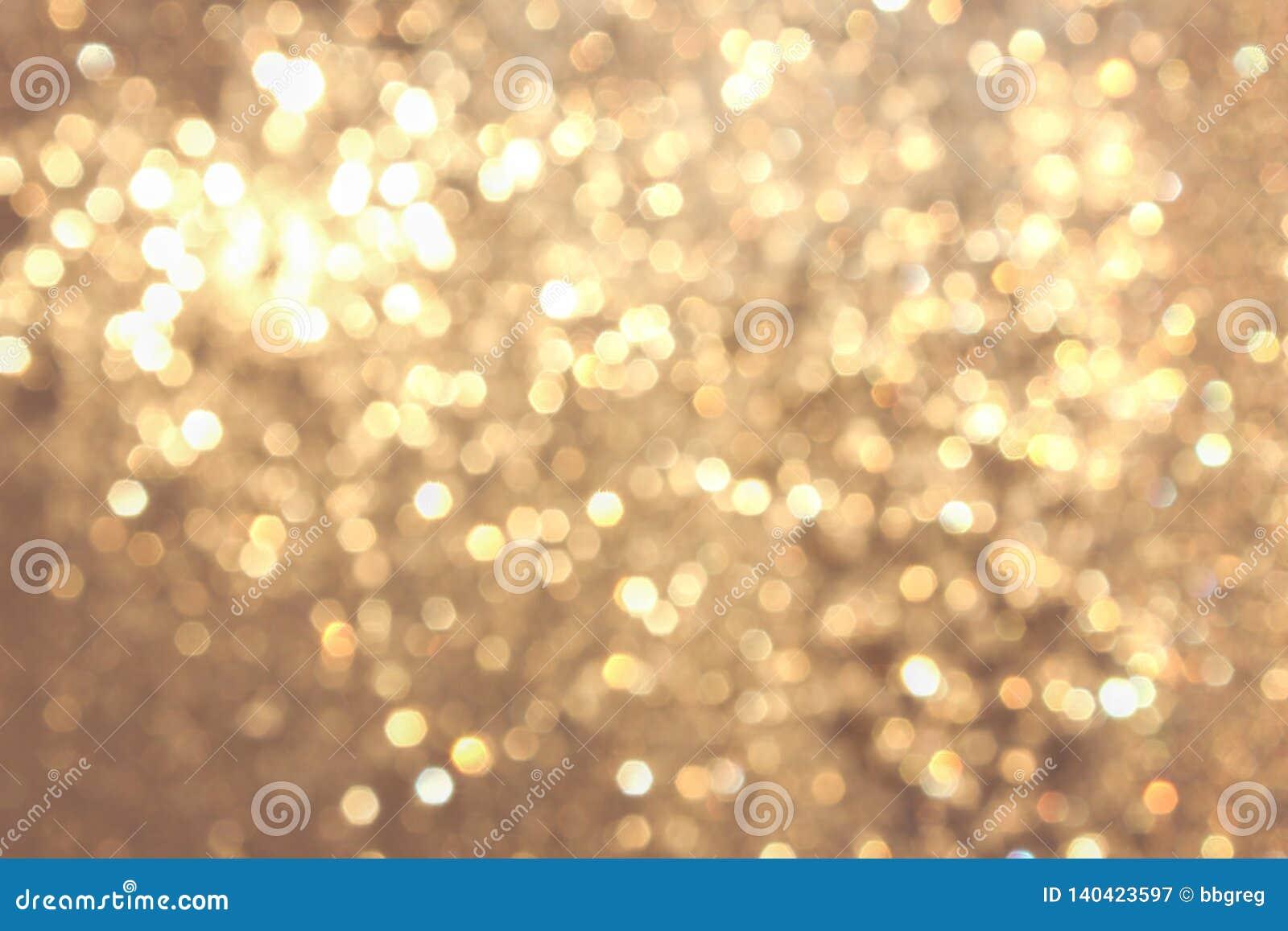 Bokeh vívido amarelo dourado no estilo macio da cor, fundo blured, cartão