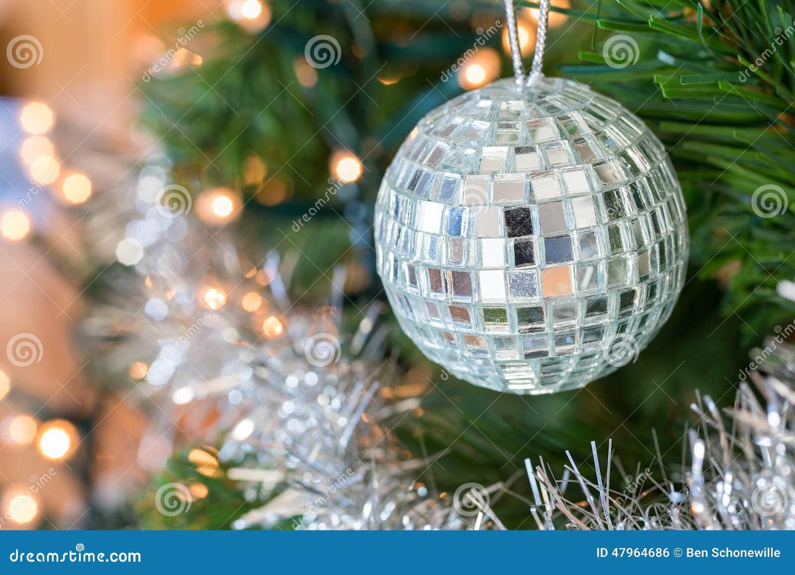 Bola de discoteca como bola de la navidad con los espejos - Bola de navidad con foto ...