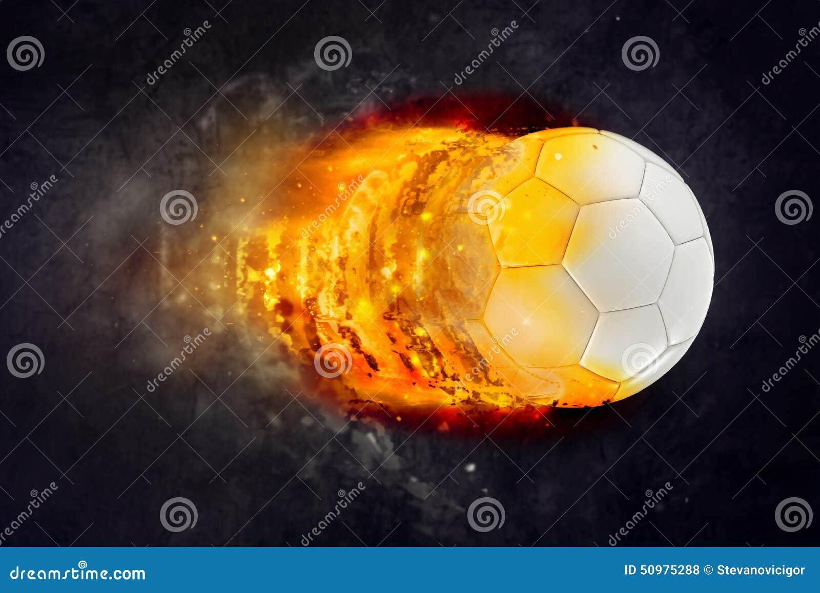 Bola de futebol que queima-se nas chamas