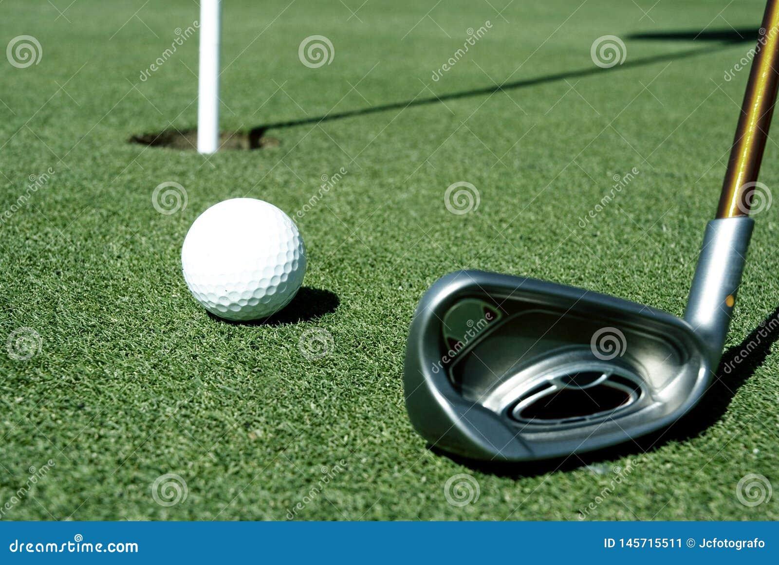Bola de golfe 8