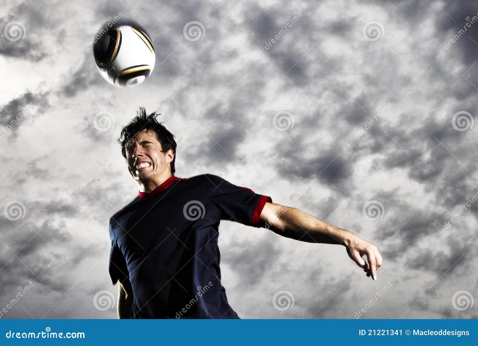 Bola de la cabecera del fútbol