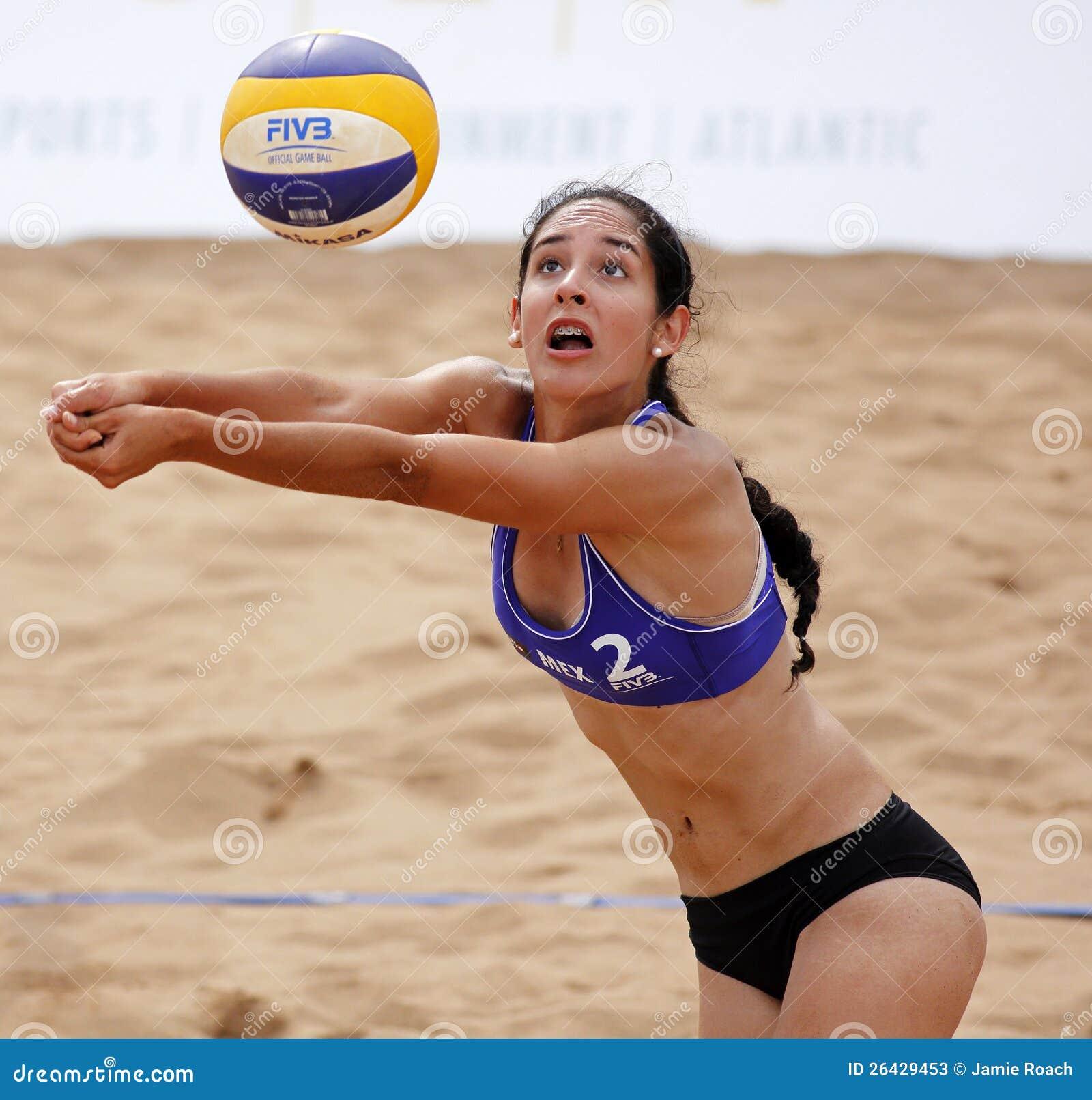 Bola De México De La Mujer Del Voleibol De La Playa Foto de archivo ...