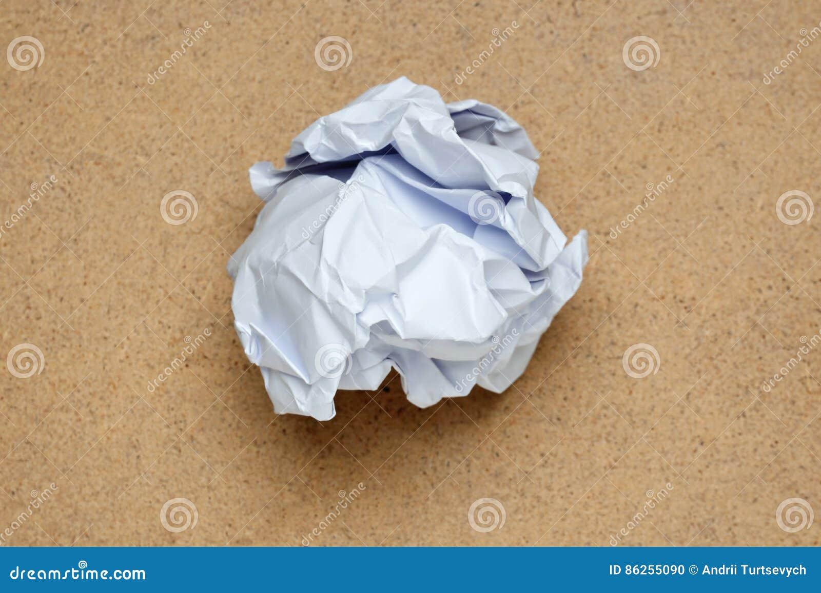 Bola de papel arrugada El detalle del diseño