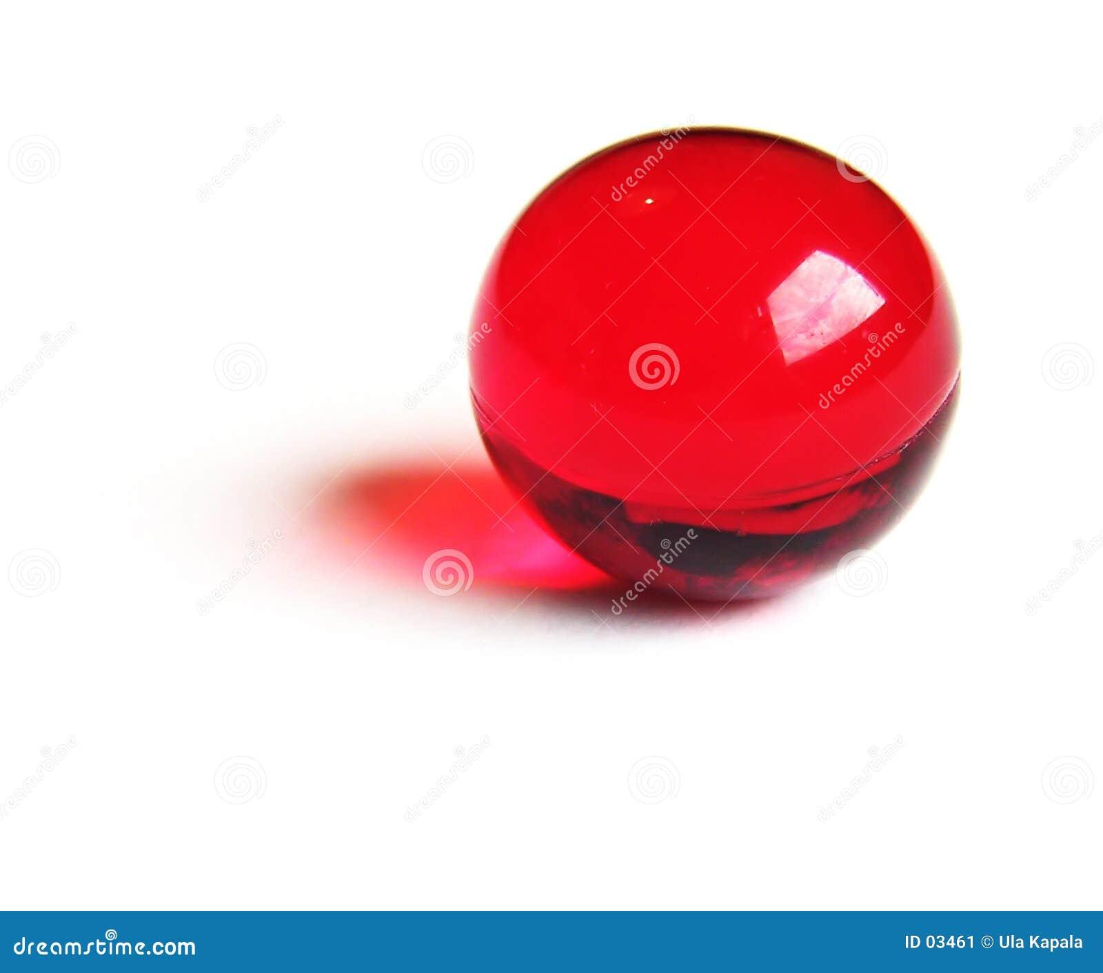 Bola roja del baño.