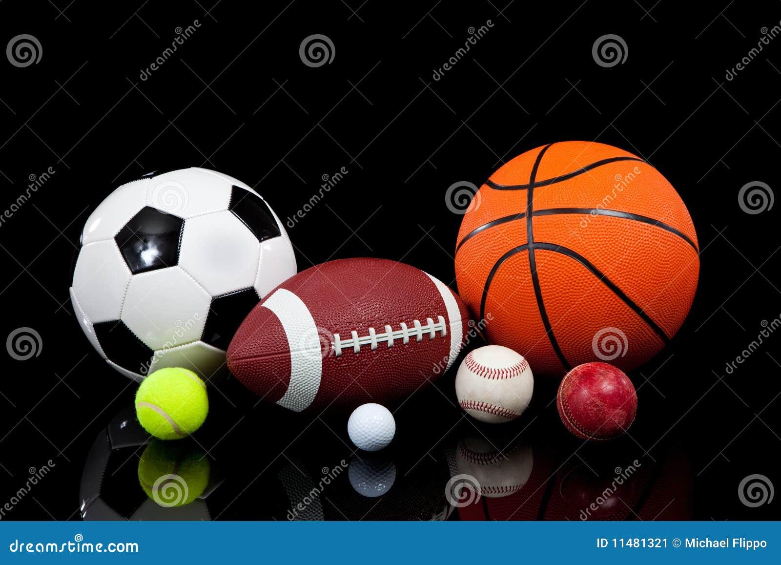 Imágenes Deportes Fondos: Bolas Clasificadas De Los Deportes En Un Fondo Negro