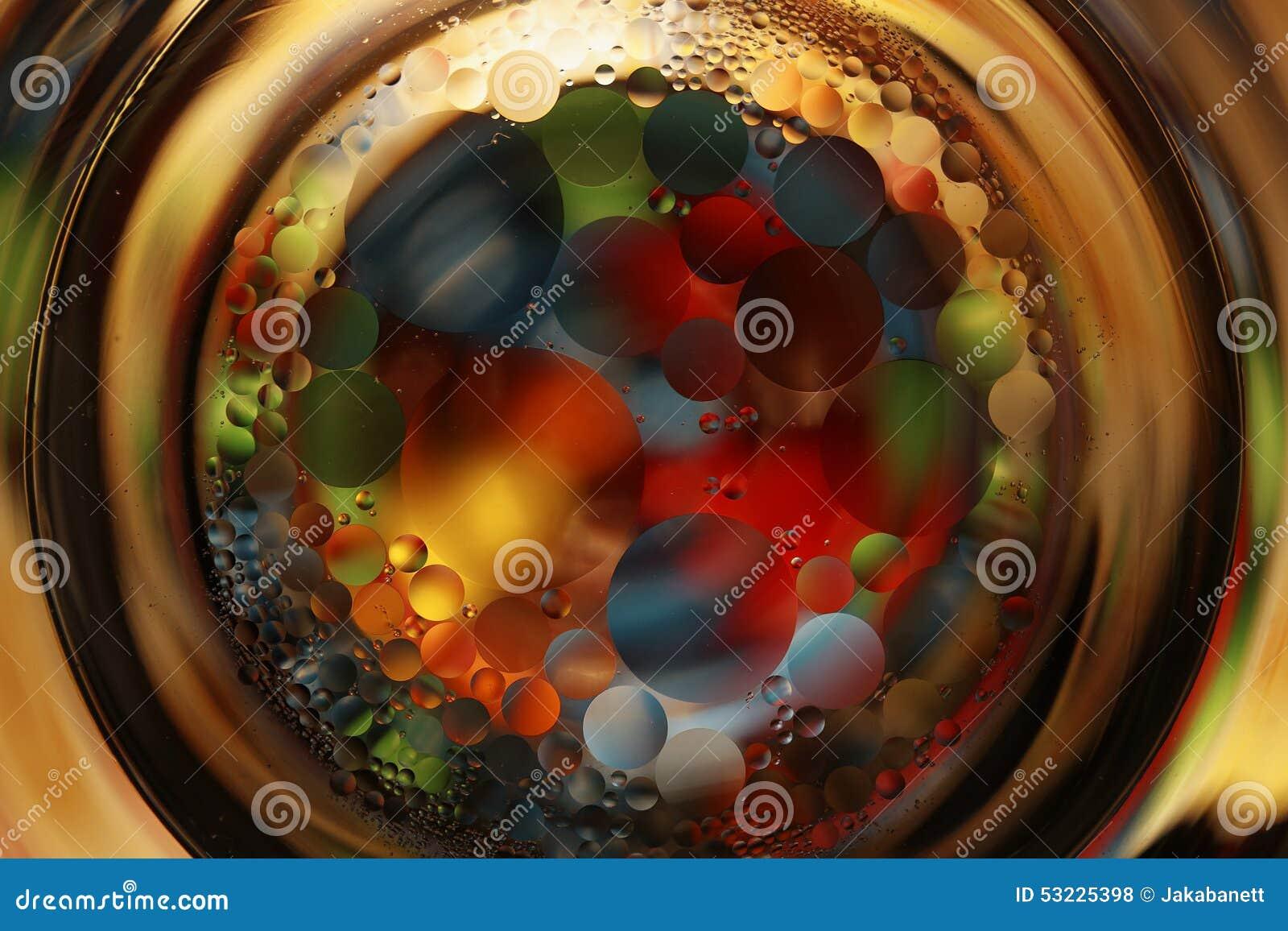 Bolas coloridas en vidrio