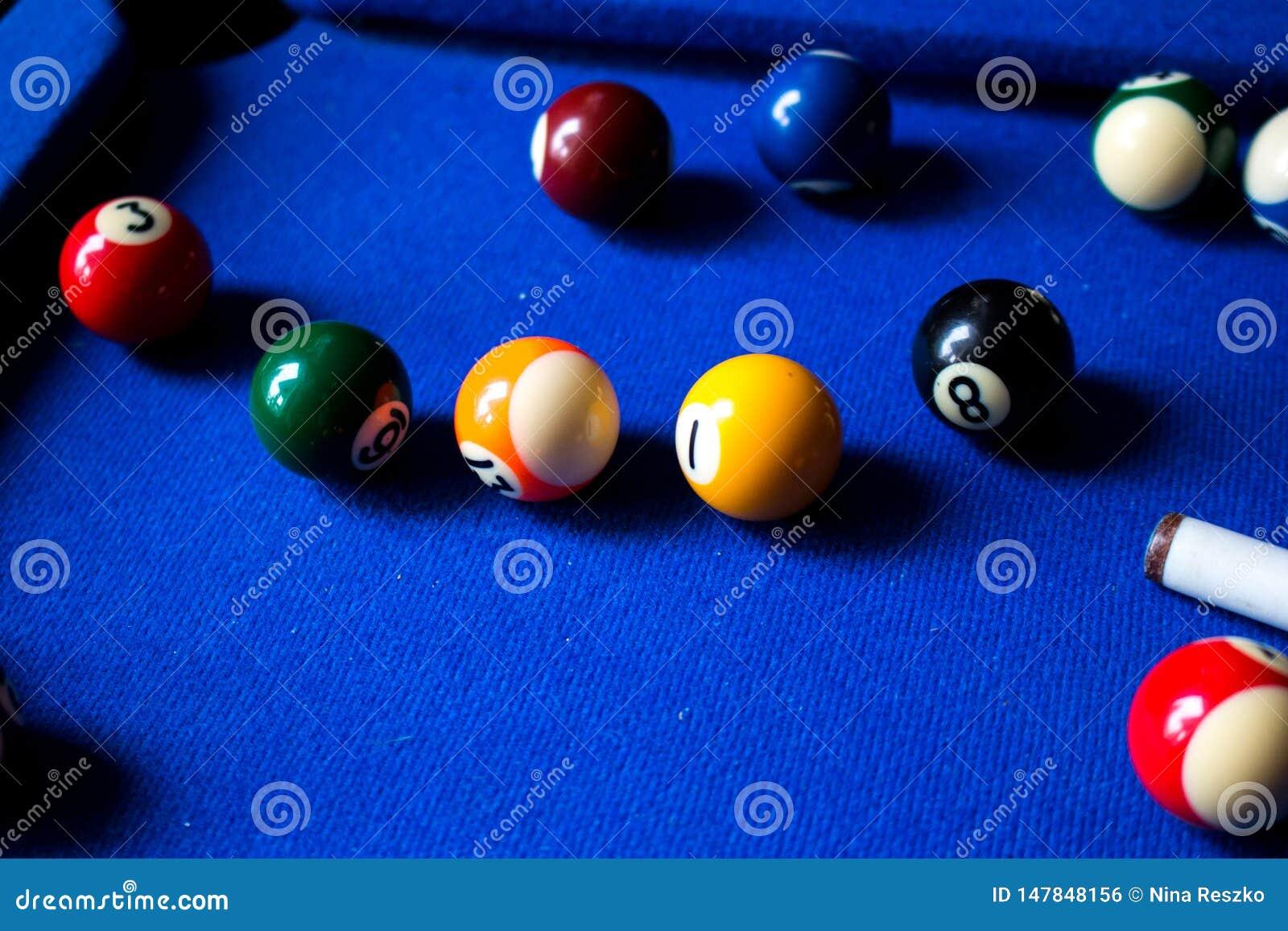 Bolas de billar de la piscina en sistema azul del juego del deporte de la tabla Billar, juego de la piscina