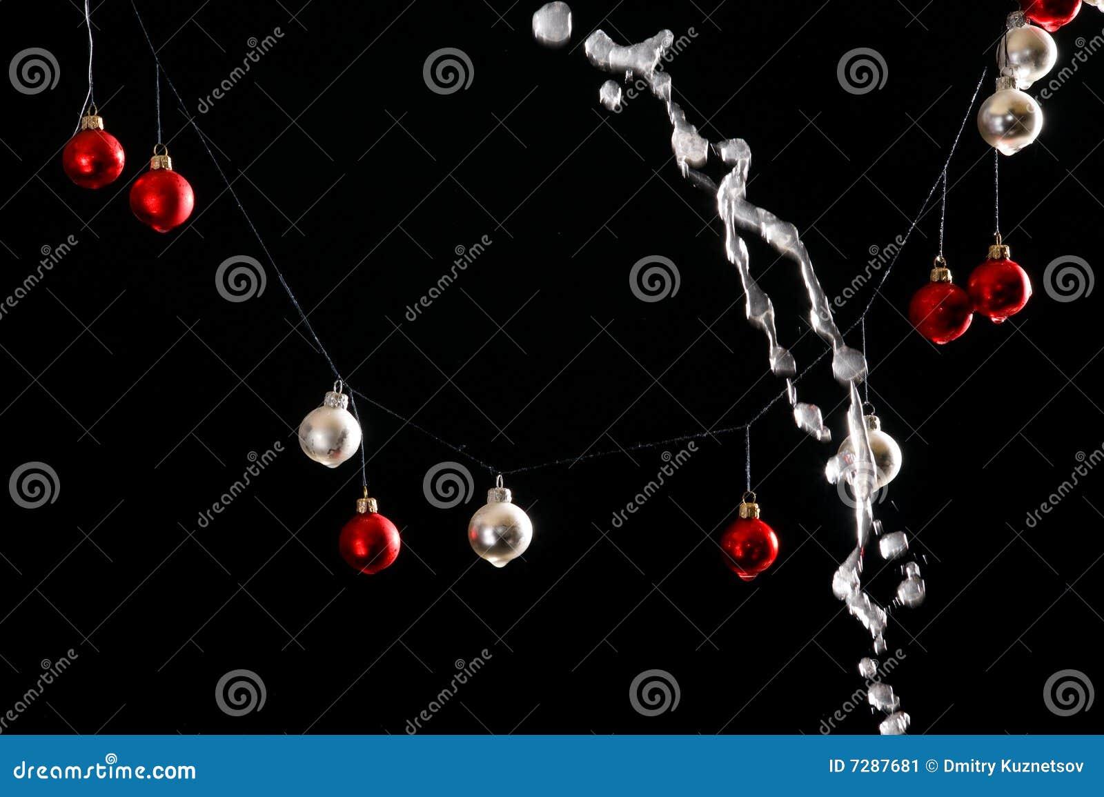Bolas de la Navidad en fondo negro