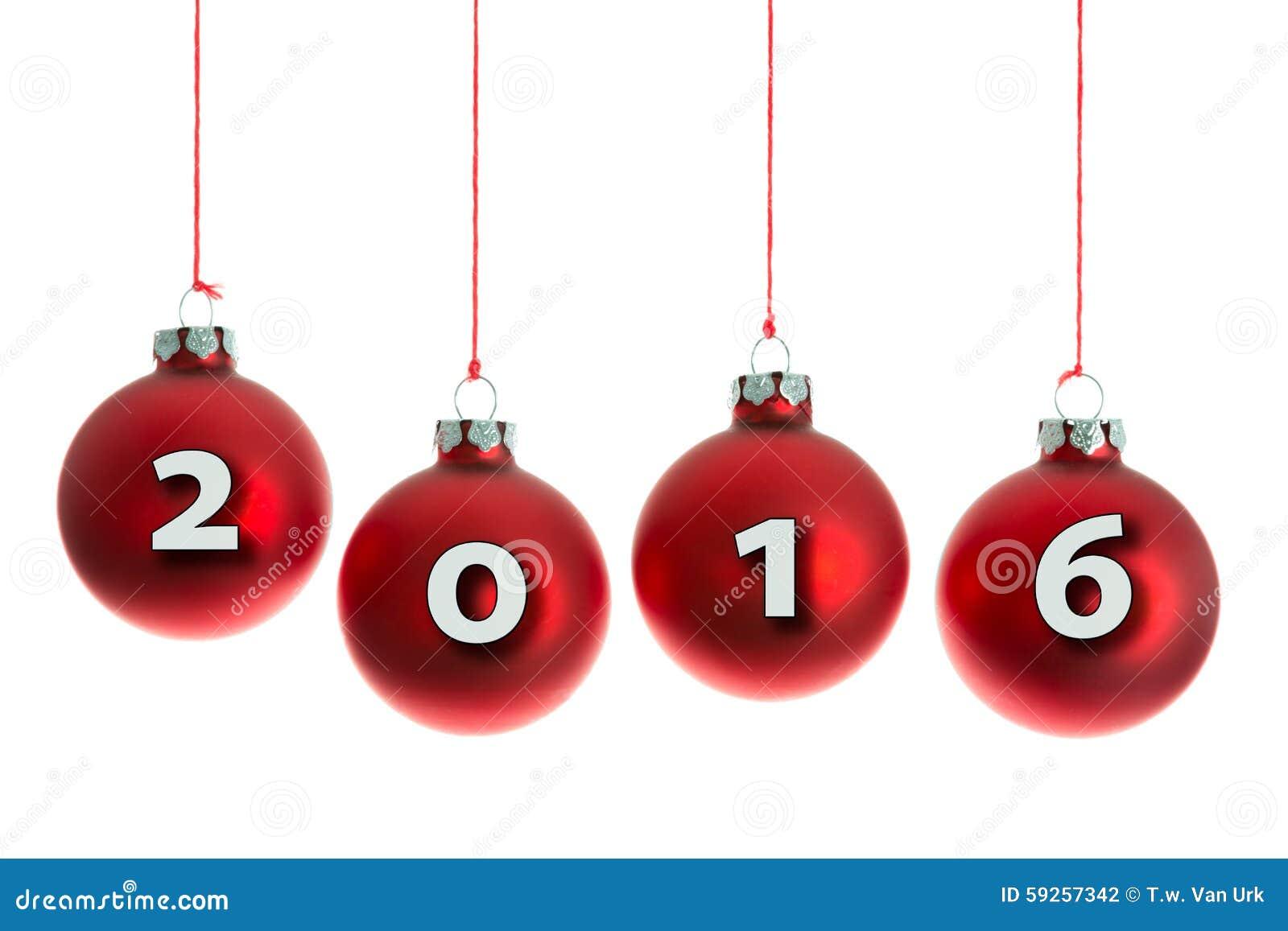 bolas de la navidad que cuelgan en una cuerda con el texto