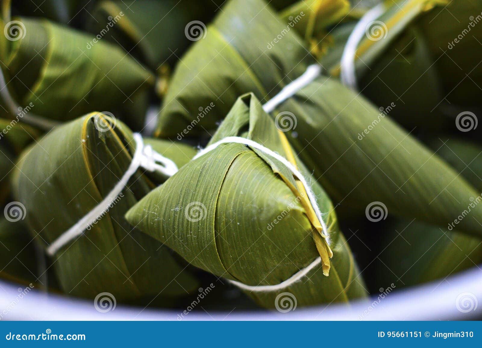 Bolinhas de massa do arroz do chinês tradicional de Zongzi para Dragon Boat Festivals
