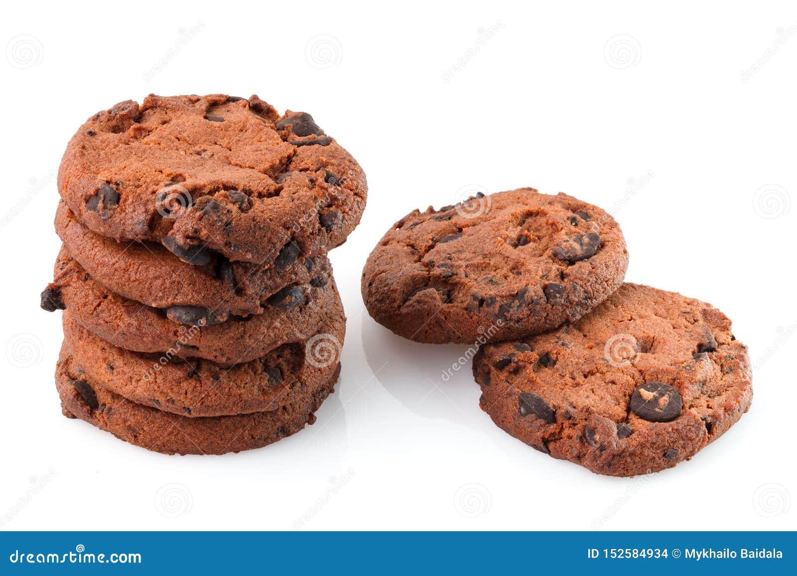 Bolinhos de microplaqueta de chocolate isolados no fundo branco Biscoitos doces Pastelaria caseiro