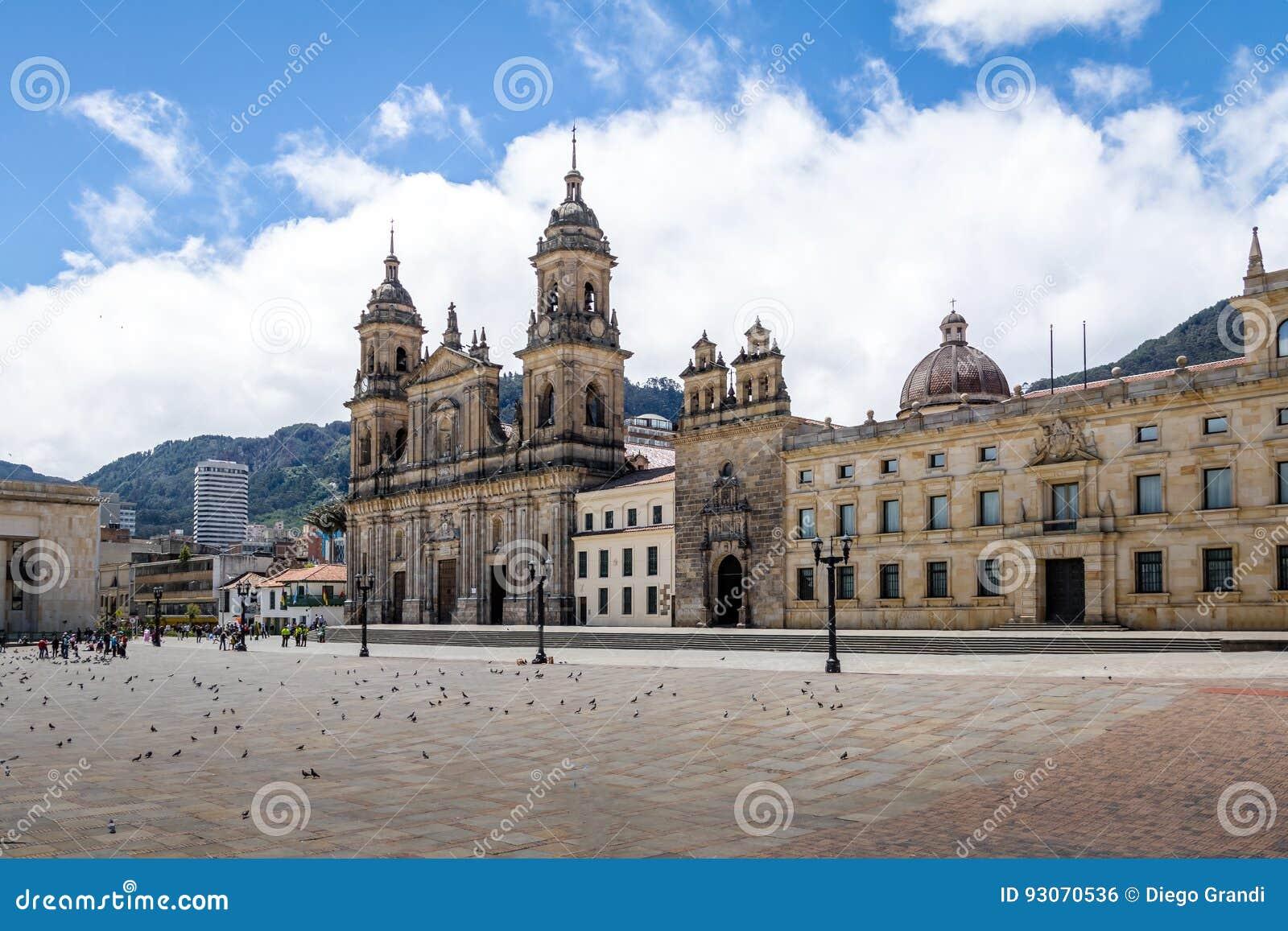 Bolivar fyrkant och domkyrka - Bogota, Colombia