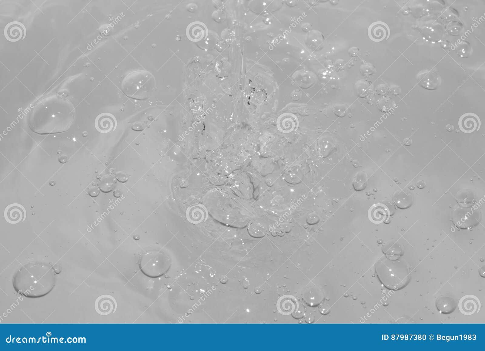 Bolle sull acqua