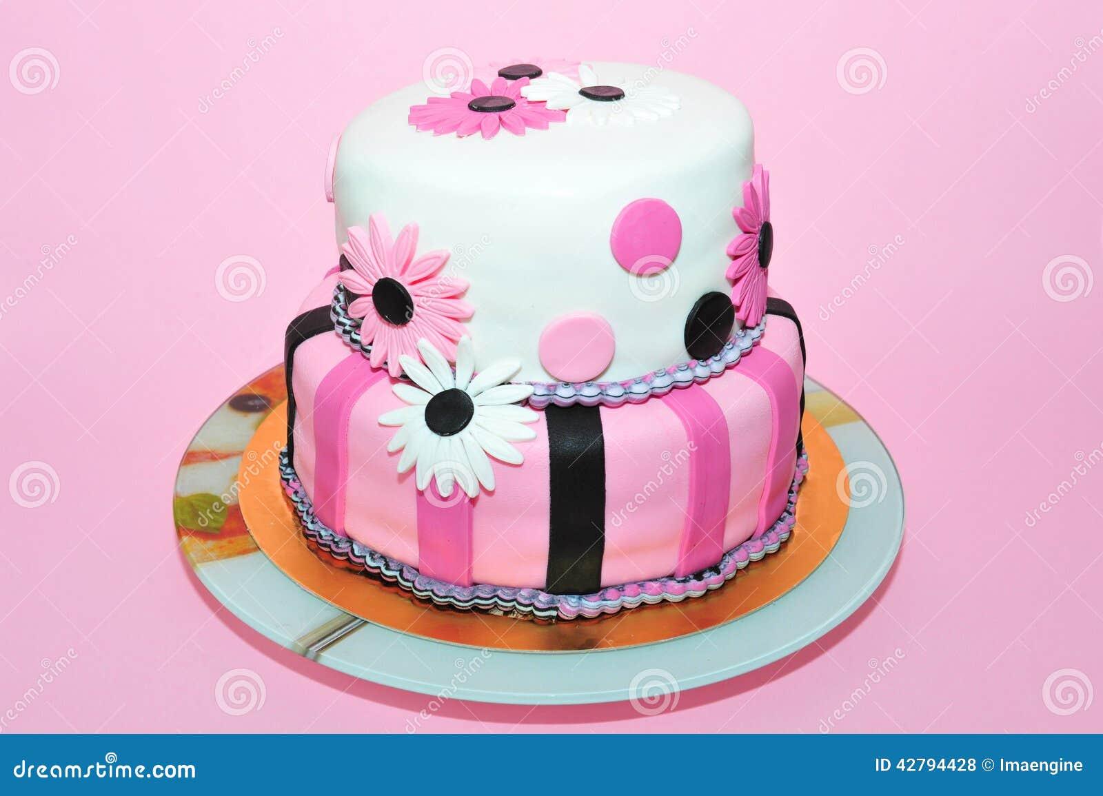 Bolo de aniversário cor-de-rosa das margaridas