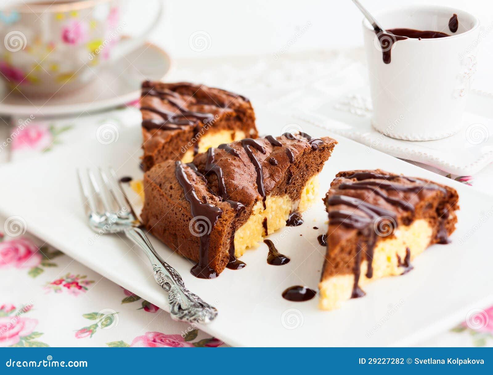 Download Bolo de chocolate foto de stock. Imagem de bolo, cozinhar - 29227282