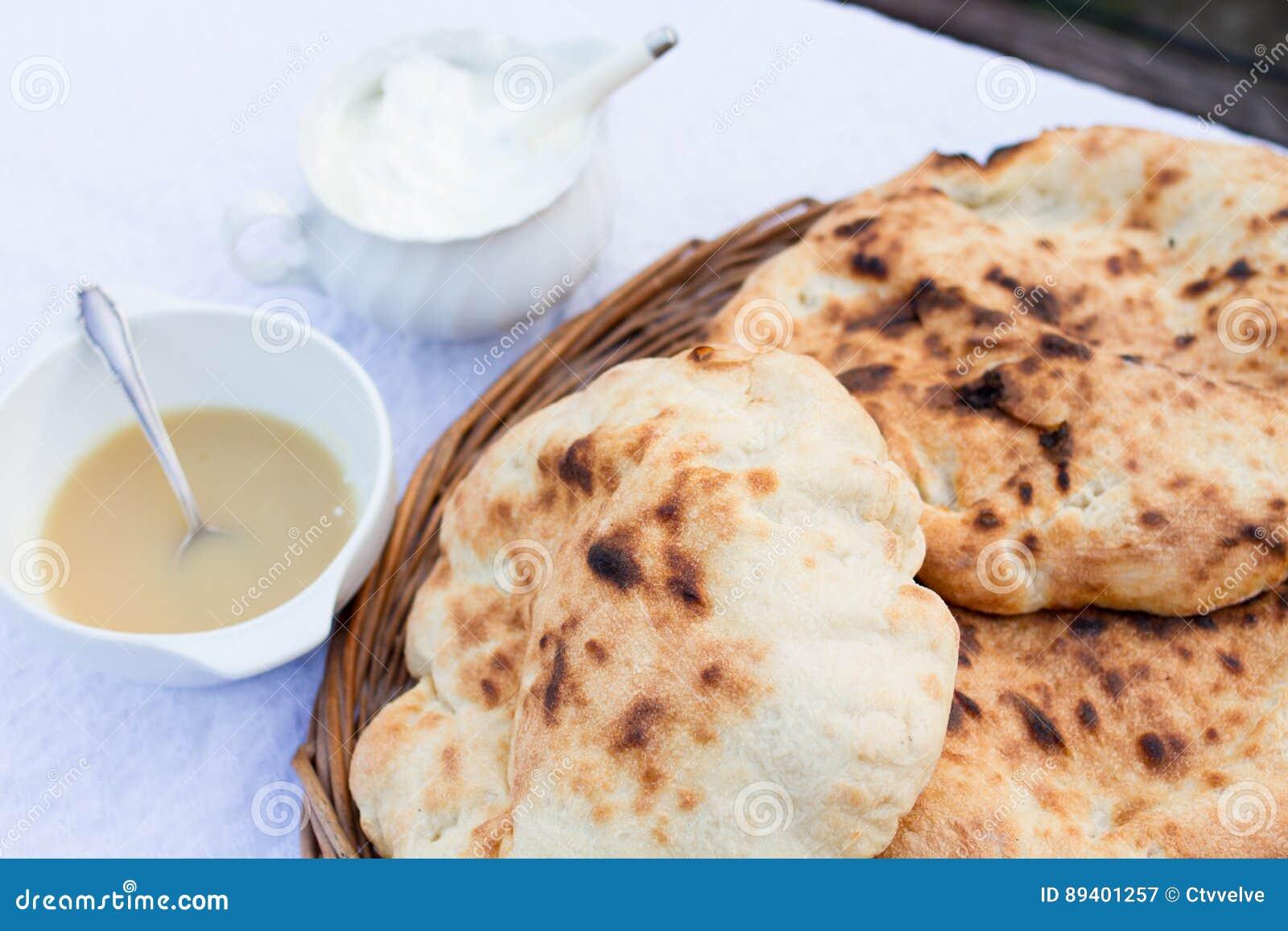 Bolo do pão, alimento húngaro tradicional