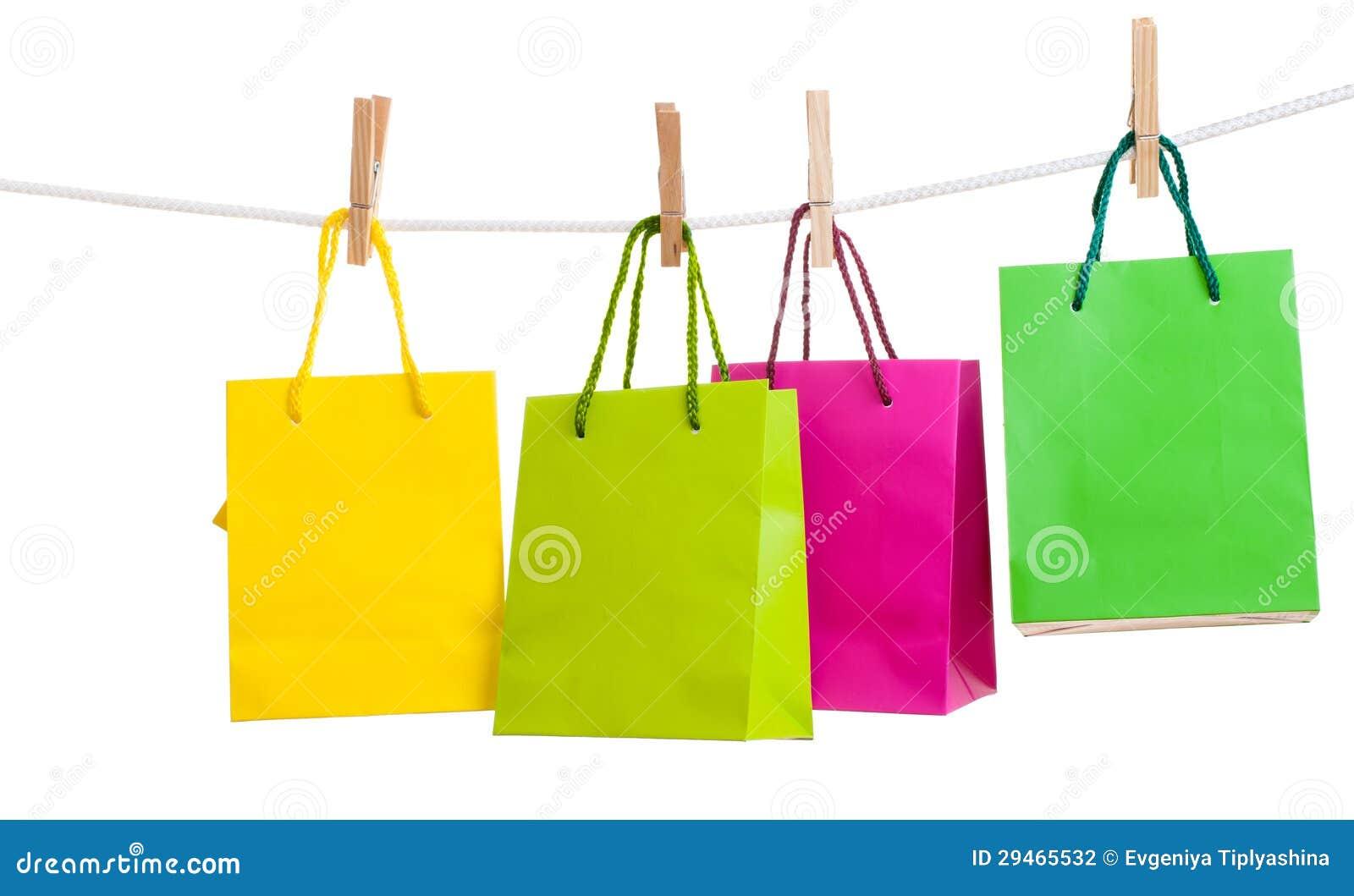 Bolsas de papel para los pernos de ropa fotograf a de - Bolsas para ropa ...