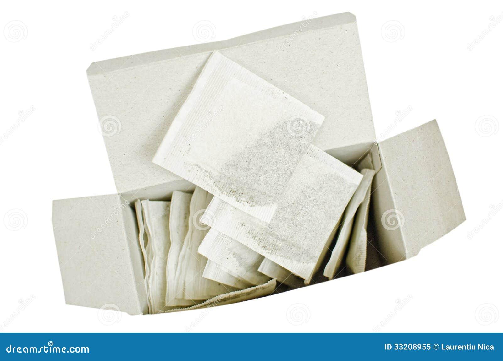 Bolsitas de té en un paquete abierto