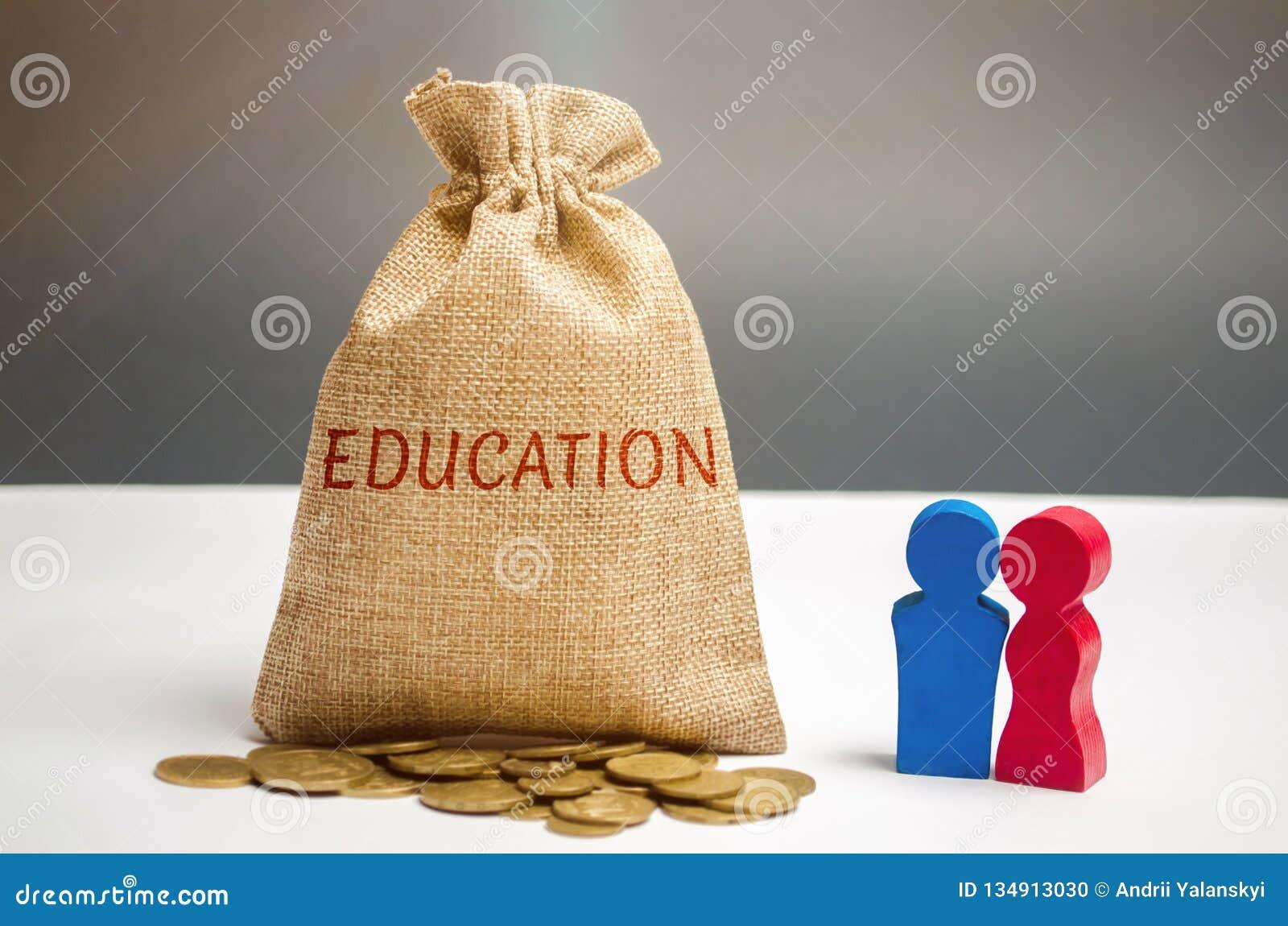 Bolso del dinero y la educación y la familia de la palabra El concepto de educación para sí mismo o los niños Acumulación de dine