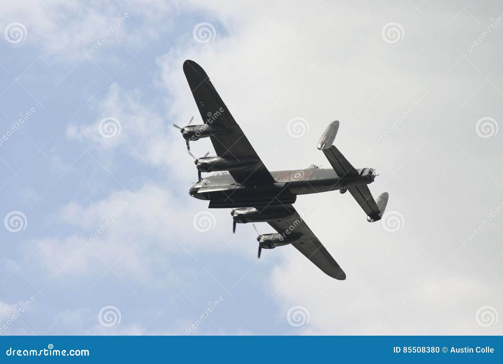 Bombardier d Avro Lancaster en vol