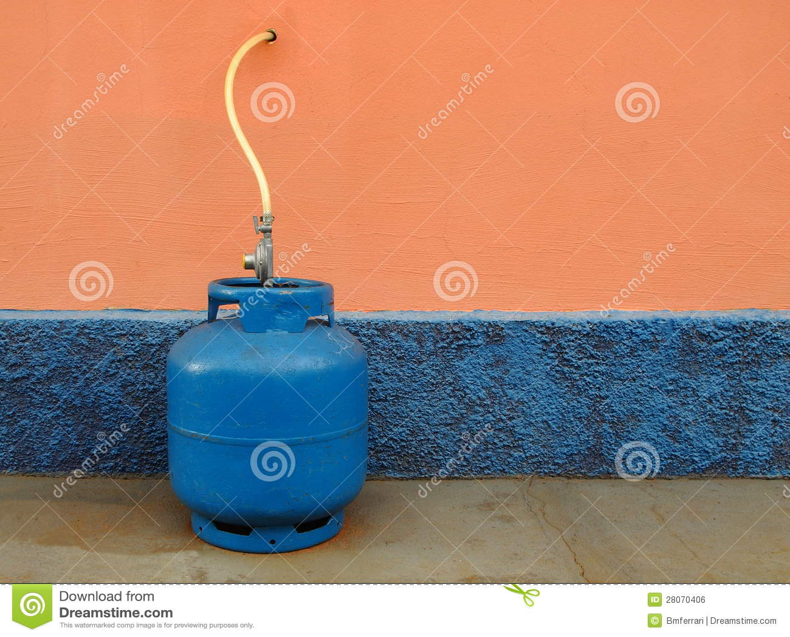 Bombola per gas della cucina immagine stock libera da - Bombola gas cucina prezzo ...