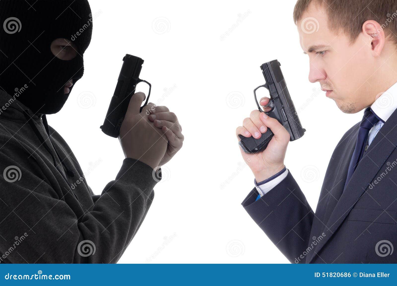 Bon contre le concept mauvais - terroriste et homme de police avec l isolat d armes à feu