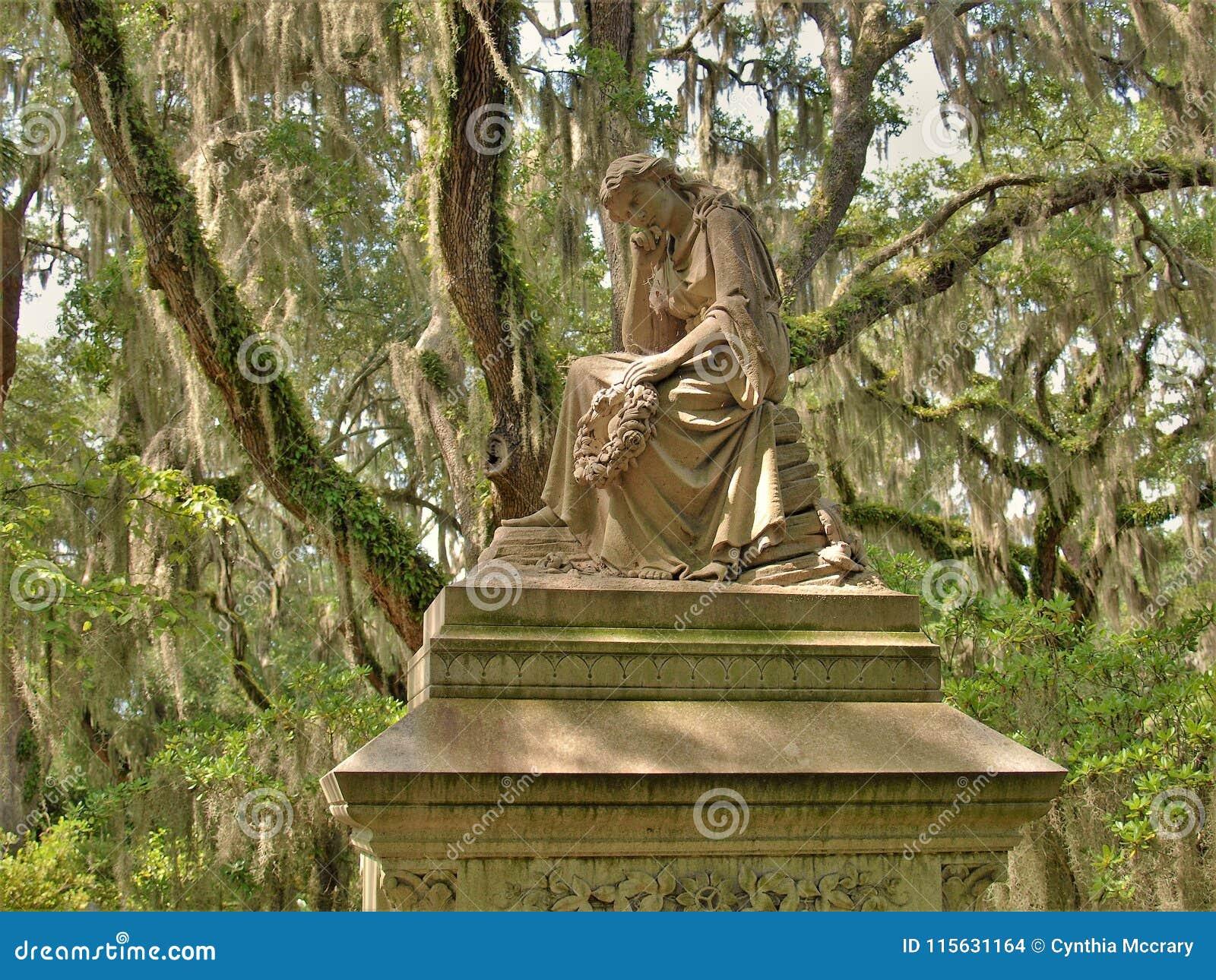 Bonaventure Cemetery Near Savannah, Georgia Editorial Stock Image ...