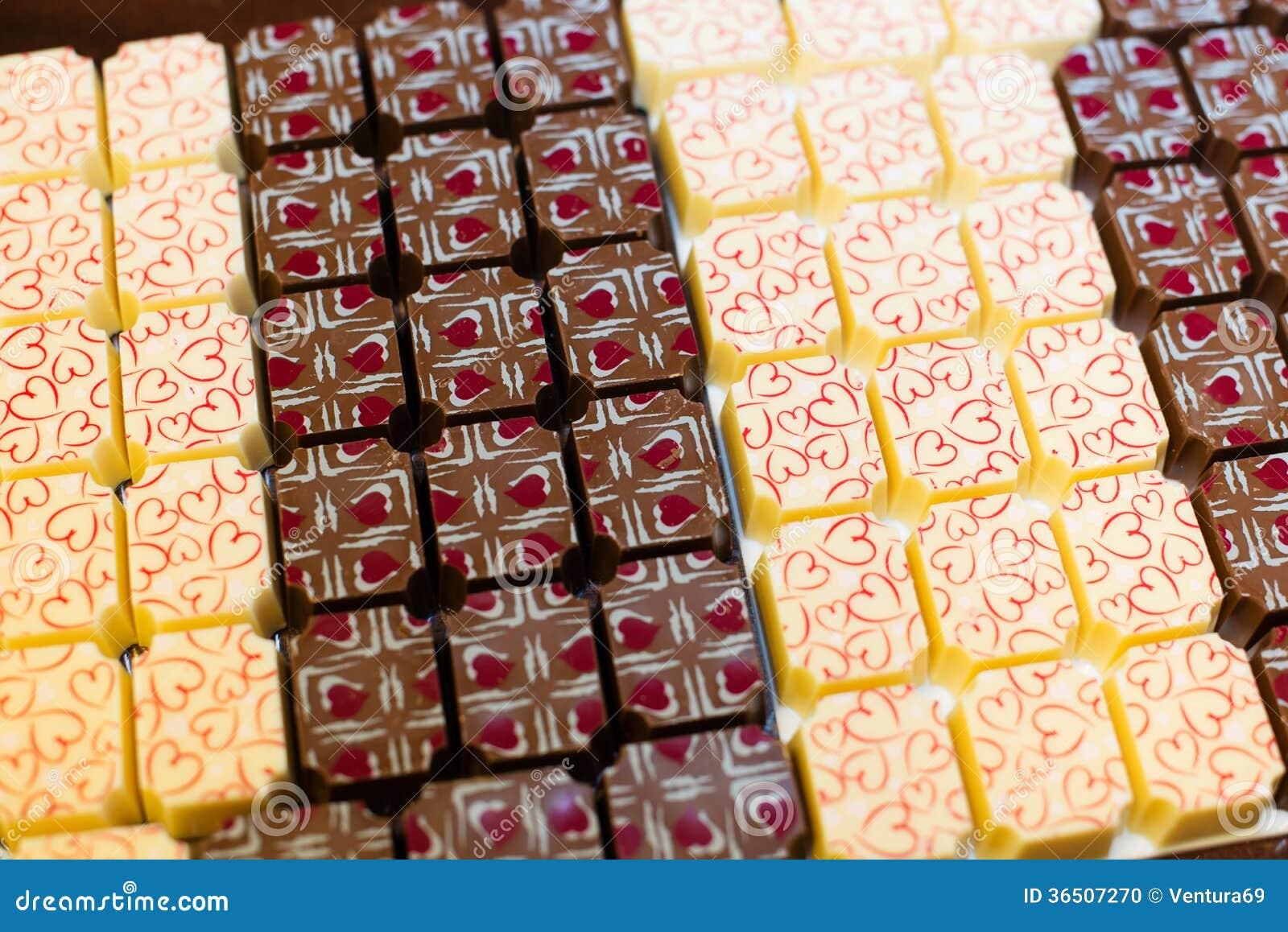 Bonbons à chocolat avec des coeurs