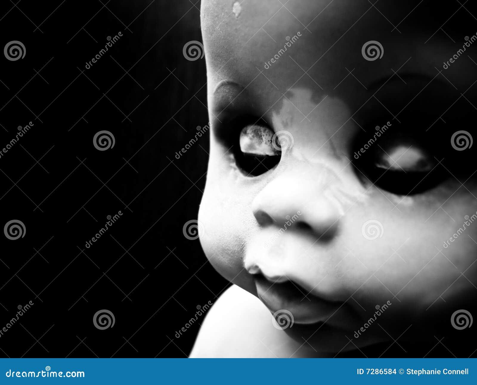 Armario Metal Tok Stok ~ Boneca Com Olhos Fechados Imagens de Stock Imagem 7286584