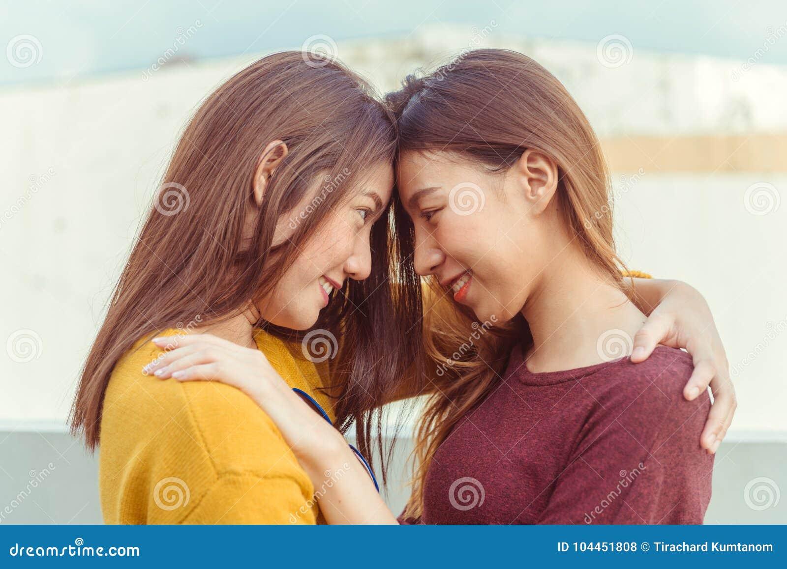 en ligne datant lesbienne gratuit sites de rencontres indiennes Chennai