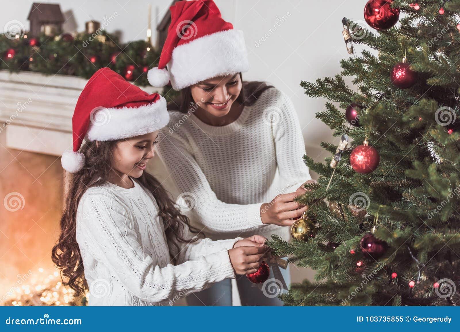 Bonne année ! Fille et maman