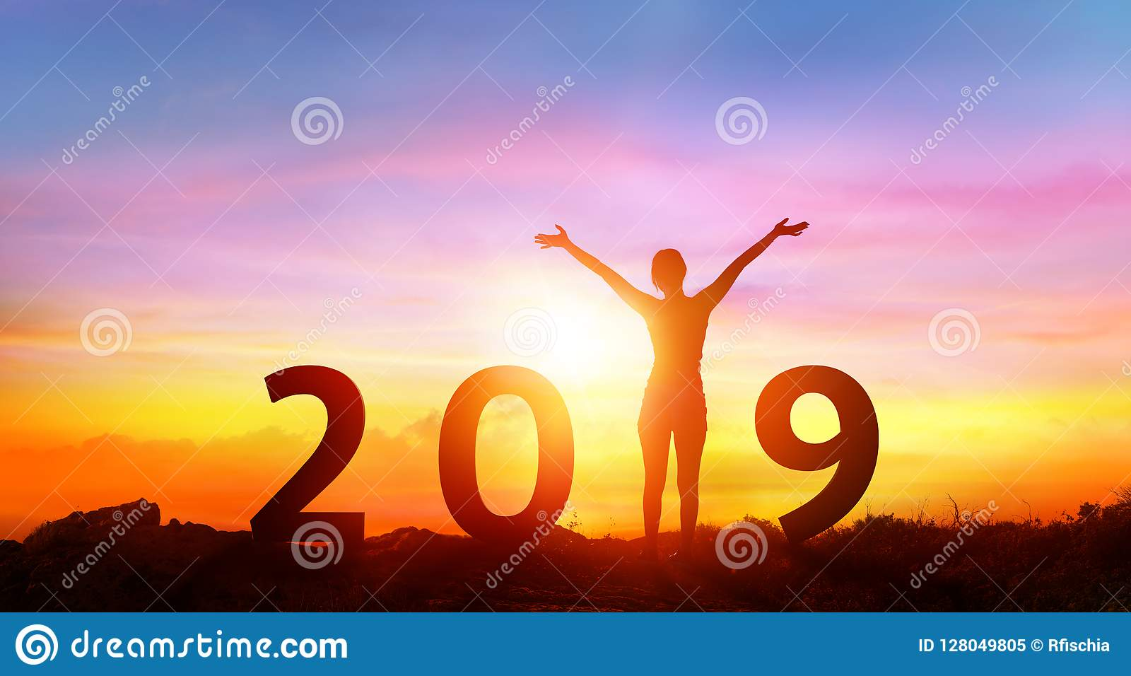 Bonne année 2019 - fille heureuse avec des nombres