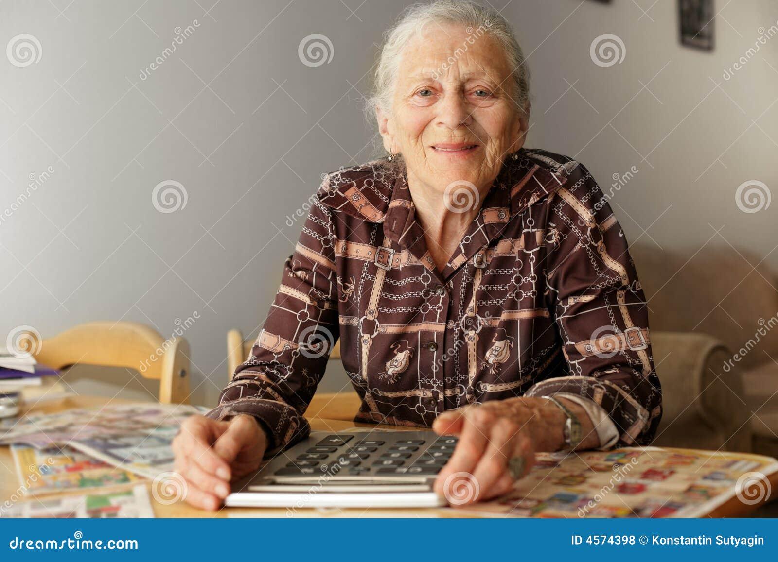 Bons de femme âgée