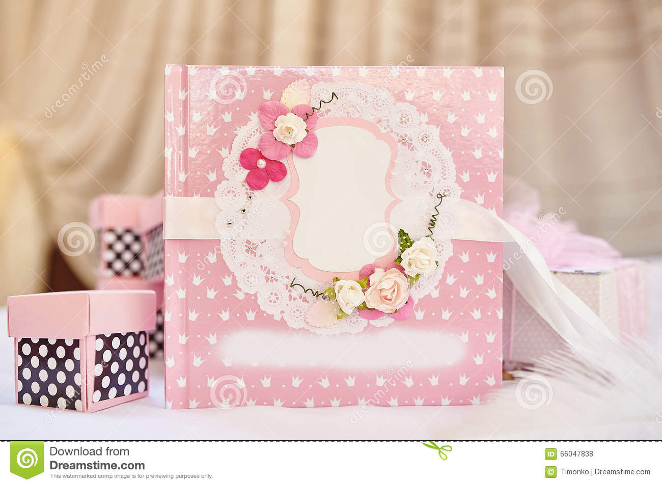 Beautiful Wedding Gifts: Book For The Newlyweds Congratulation And Beautiful