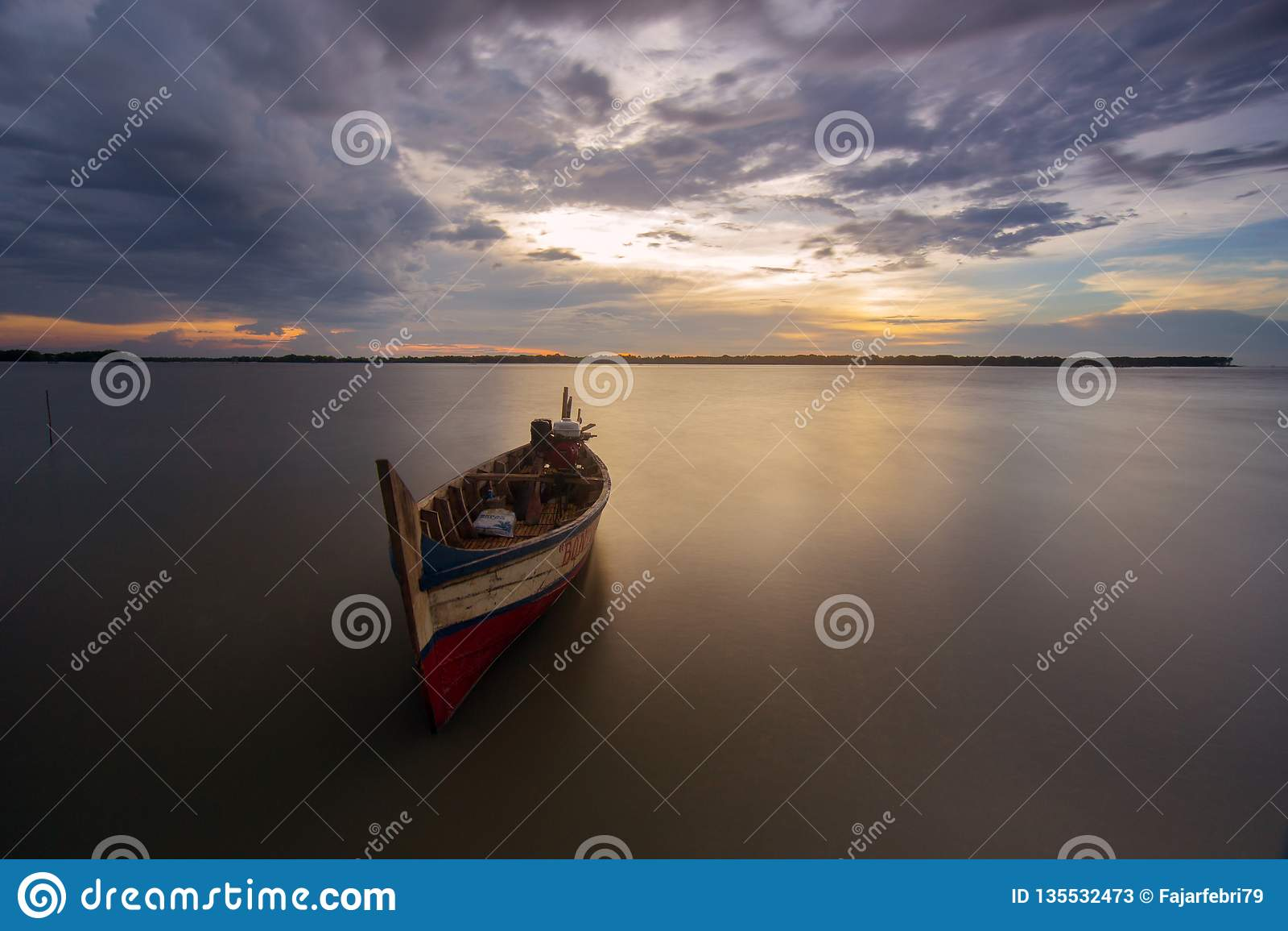 Boot bij muara beting strand, bekasi Indonesië
