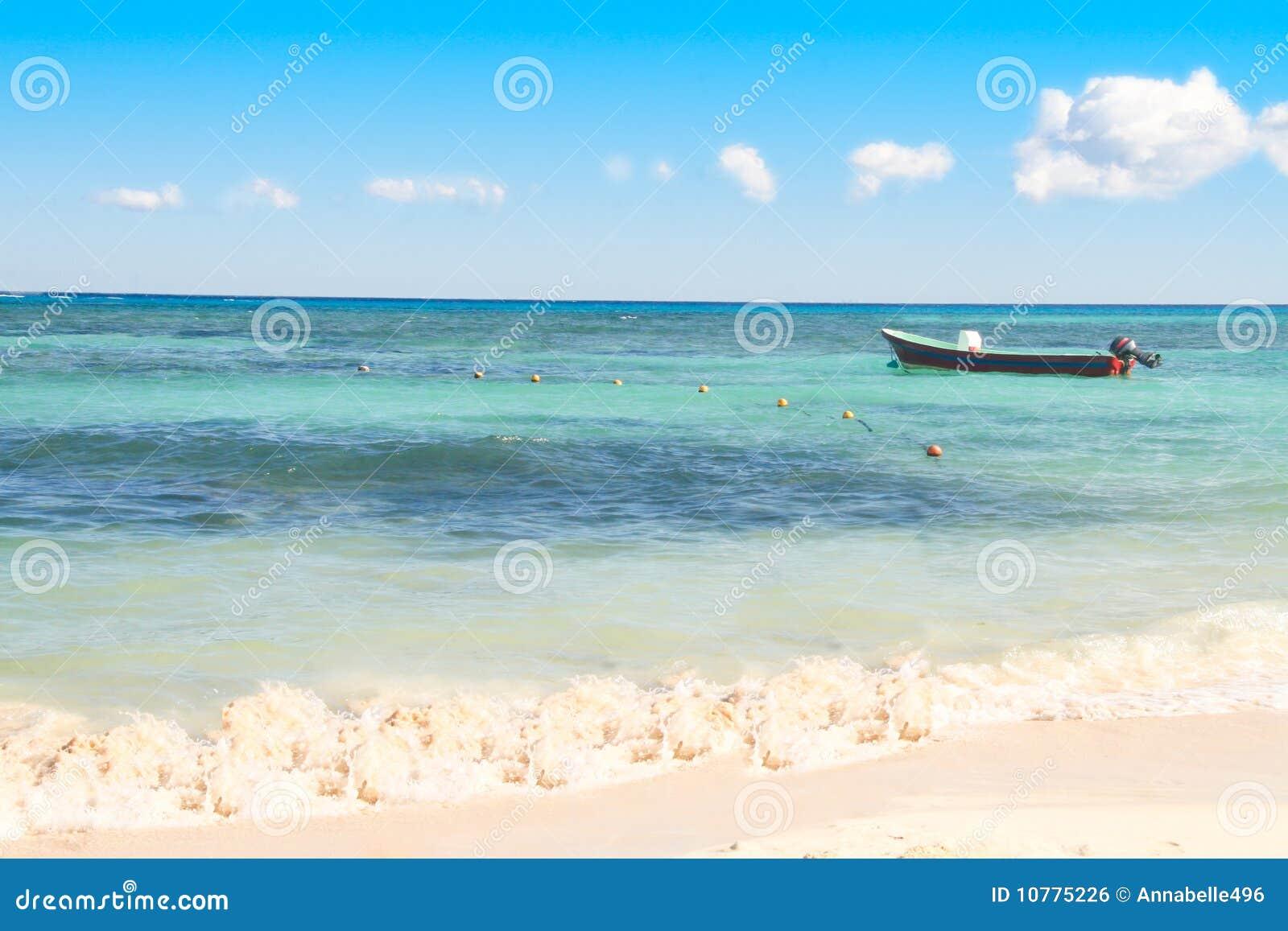 Boot op Overzees