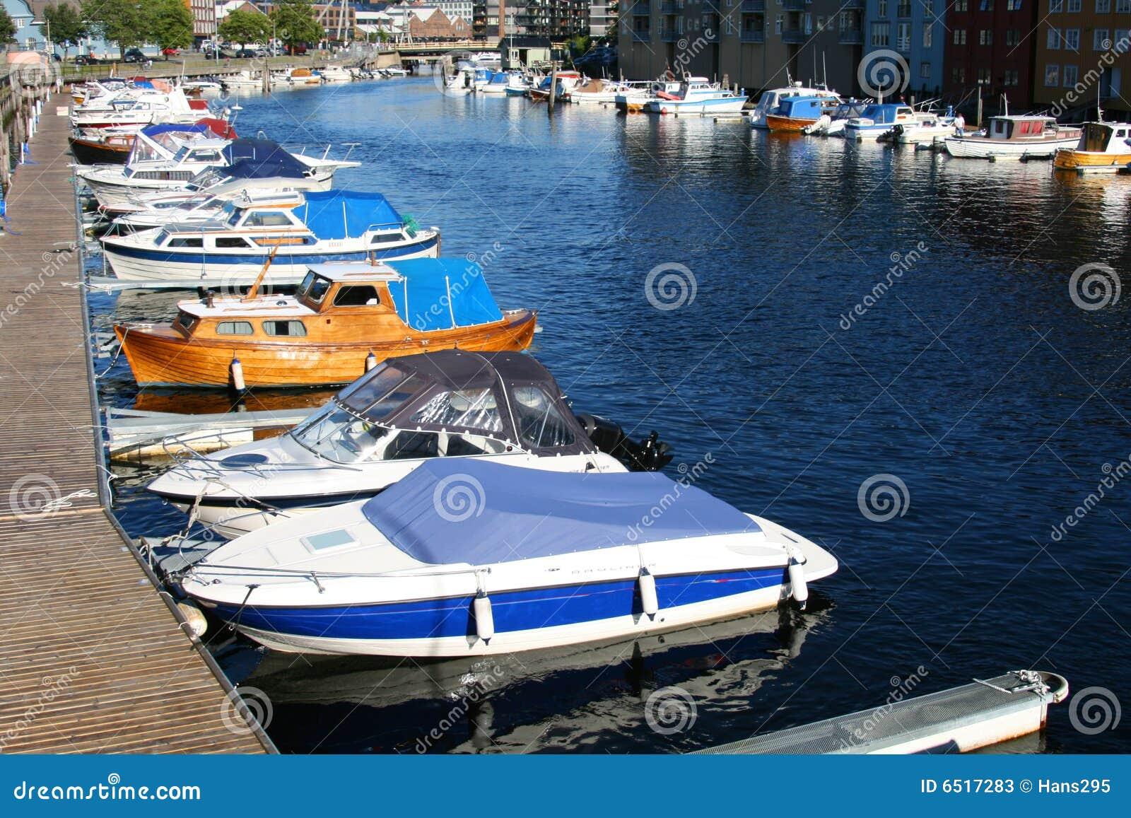 Boote am Brew