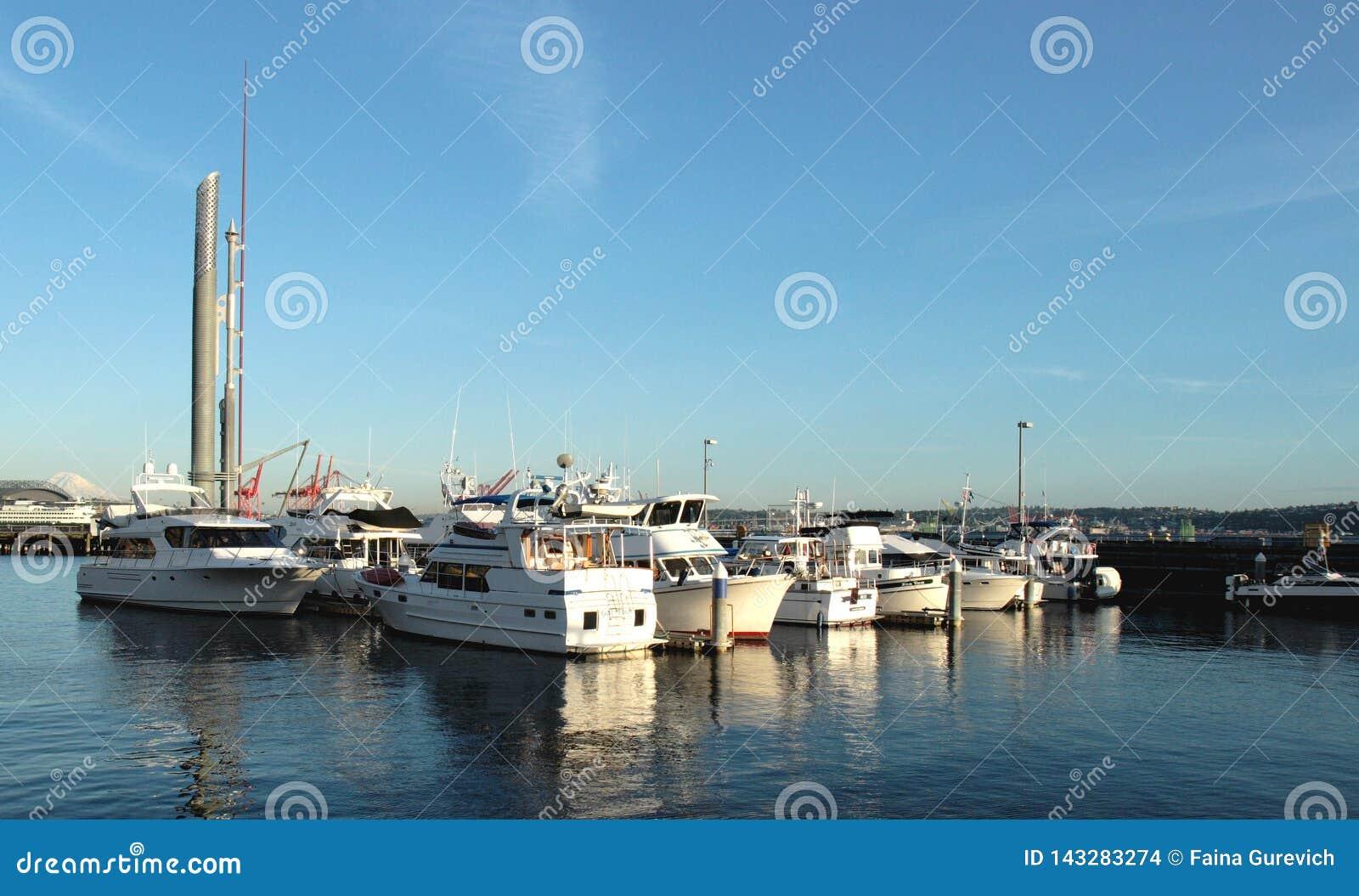 Boote im Bell-Hafen-Jachthafen, Seattle