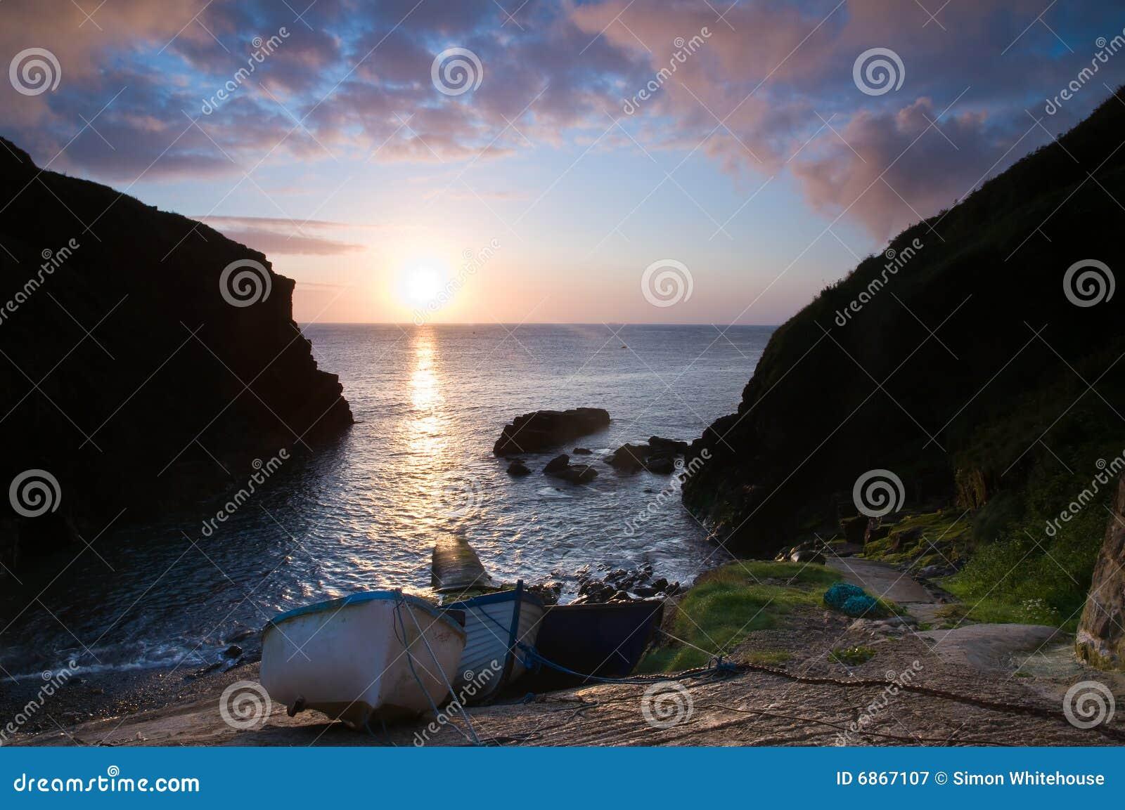 Boote am Sonnenaufgang