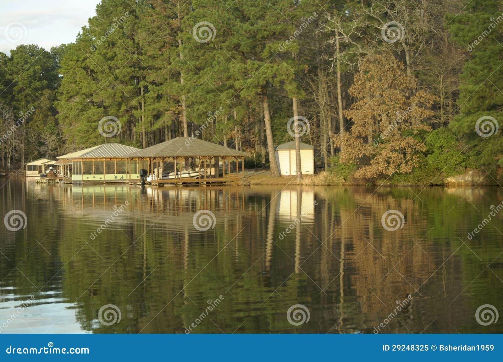 Boots-Haus auf dem See