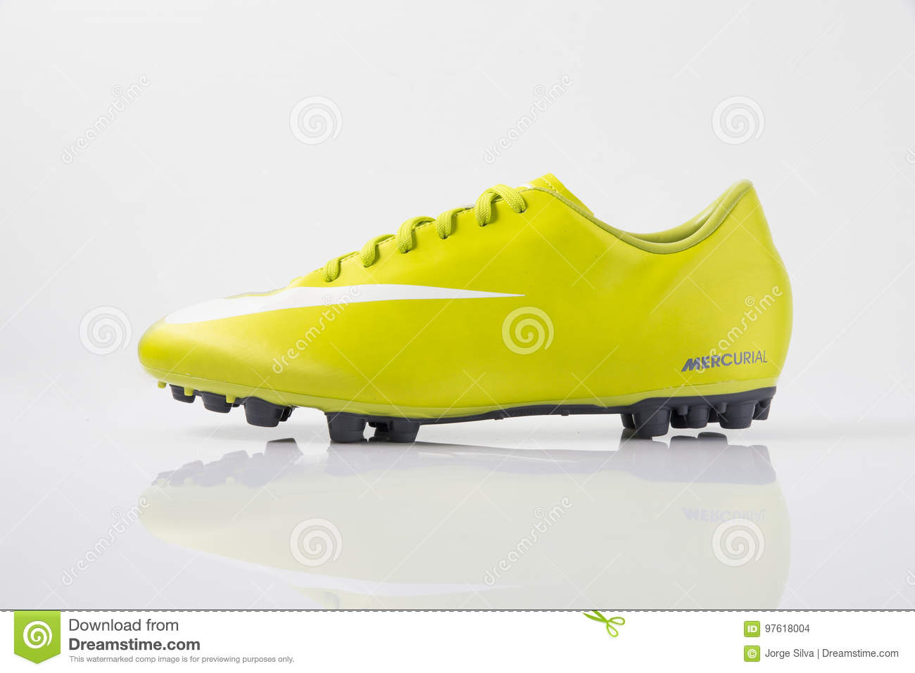 Nike Soccer Boots Stock Photos & Nike Soccer Boots Stock