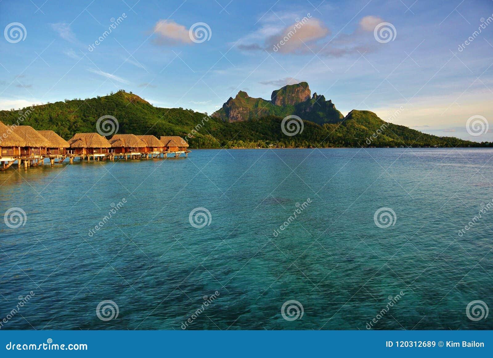 Bora Bora, bâti Otemanu de pavillons d Overwater