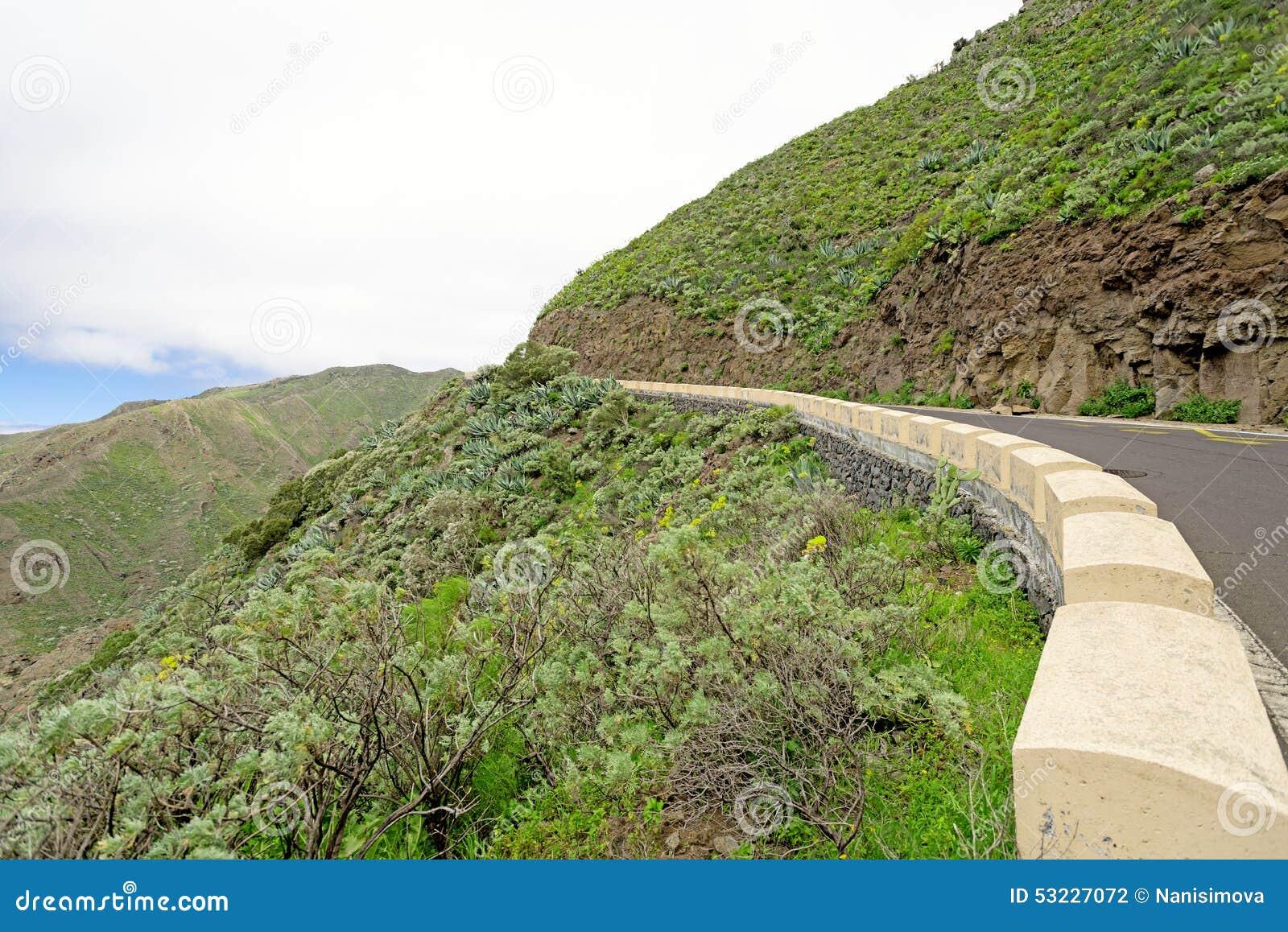 Borde de la carretera en las montañas de Majorka España