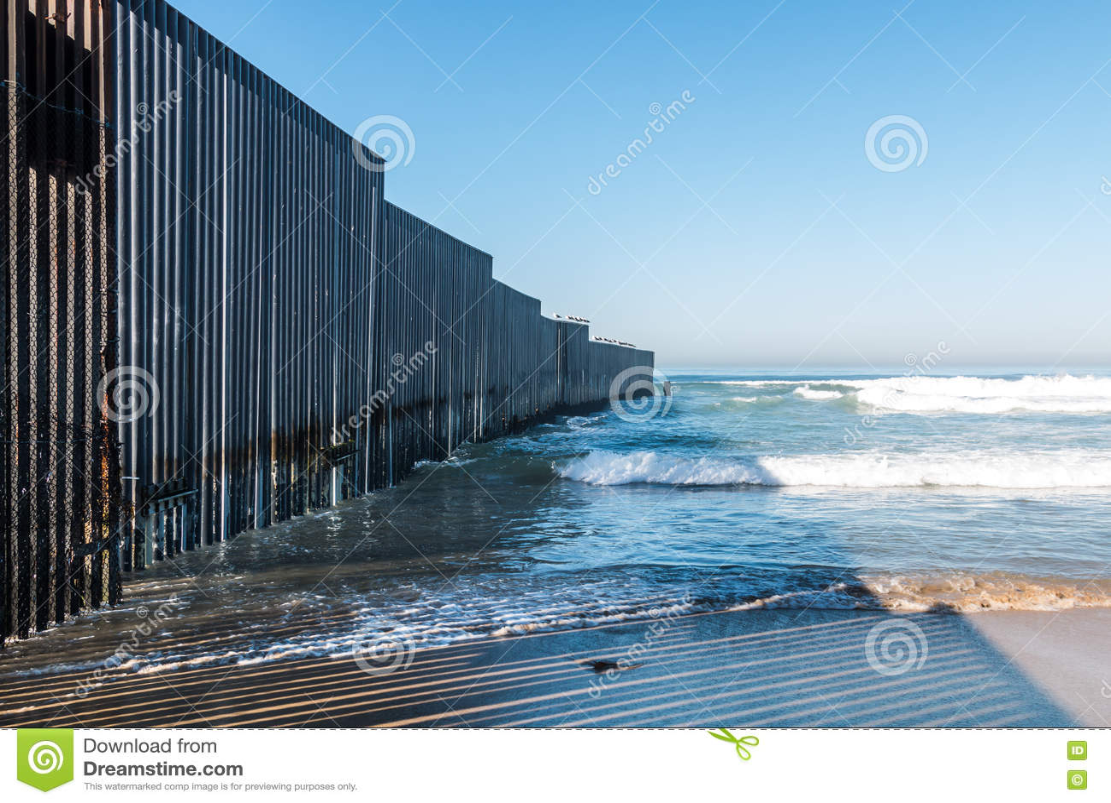 Mexican border patrol agent fucks biatch 2