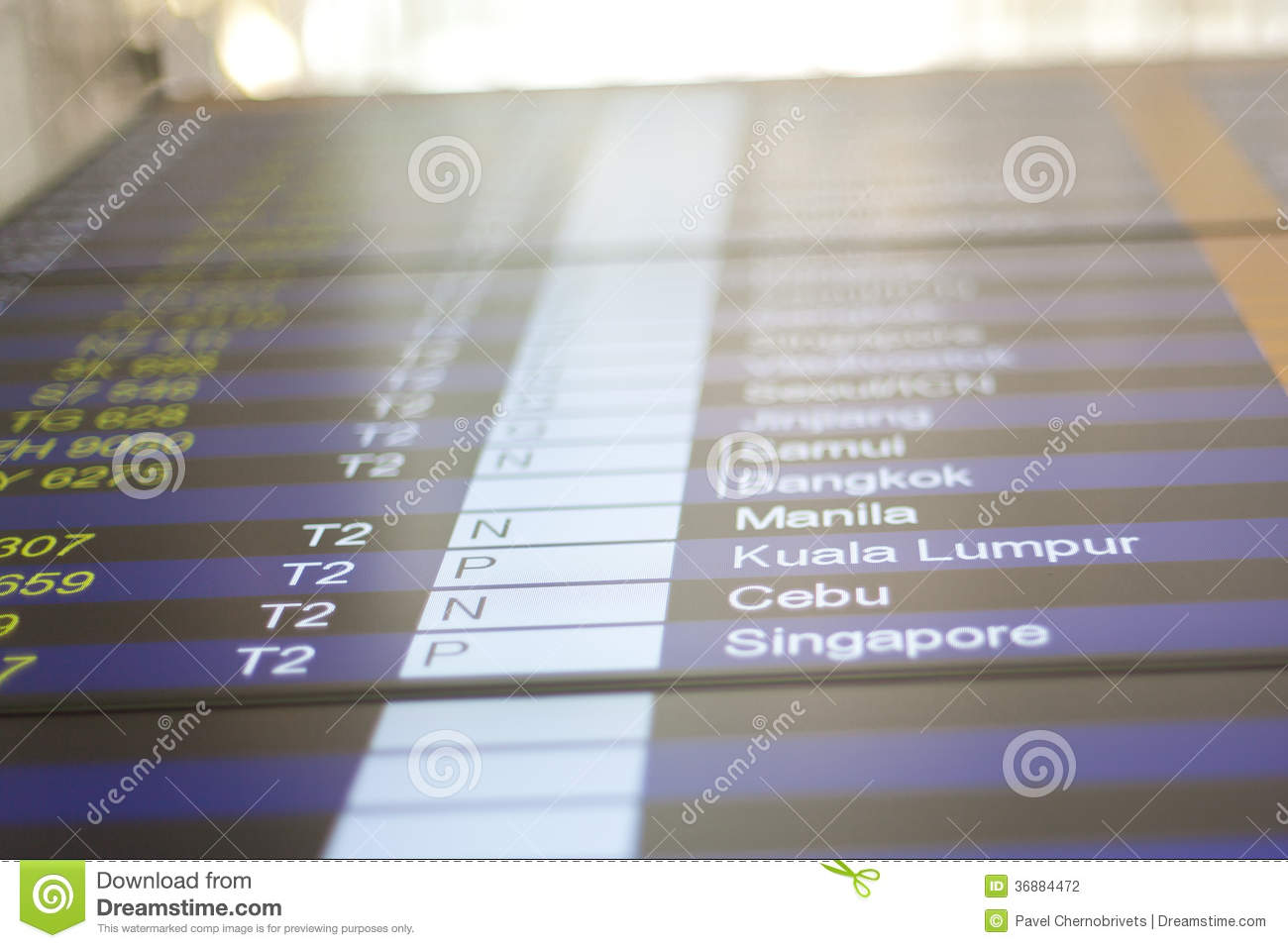 Download Bordo Di Informazioni Di Volo In Aeroporto. Fotografia Stock - Immagine di info, billboard: 36884472