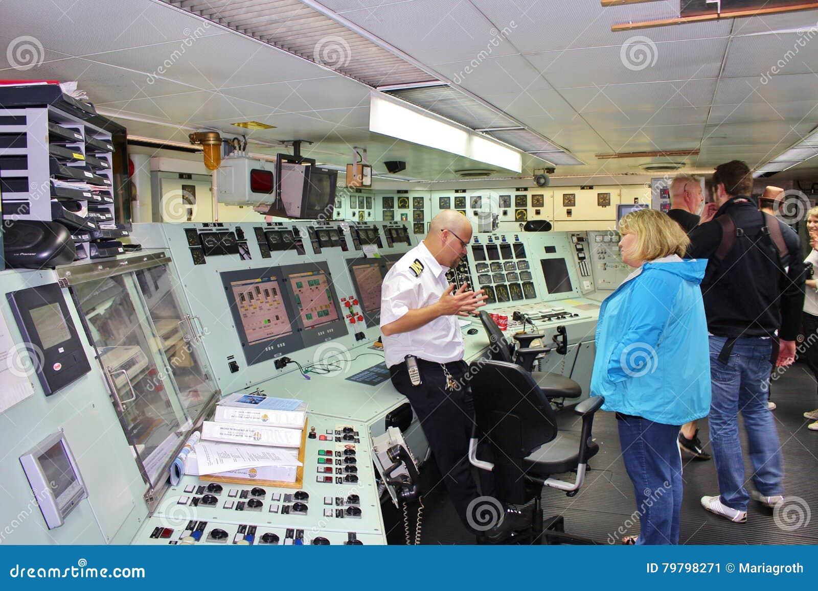 A bordo en los rompehielos en Luleå