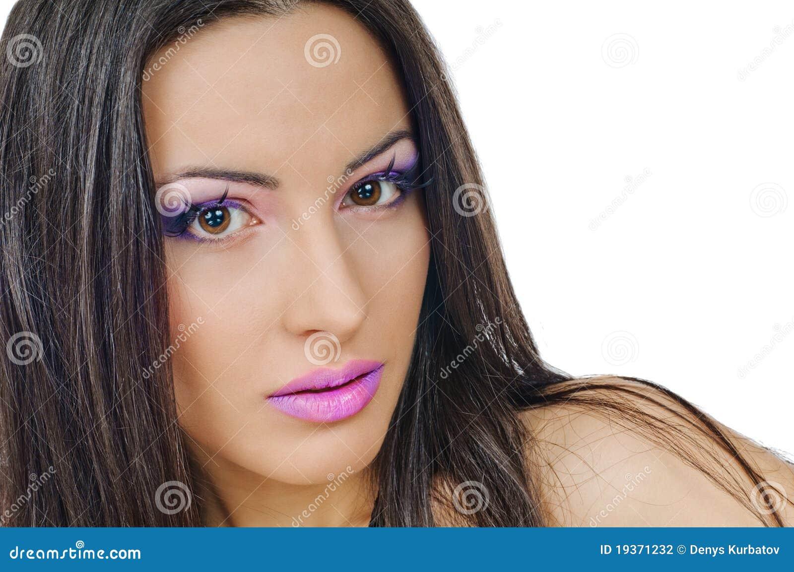 Bordos e pálpebras violetas