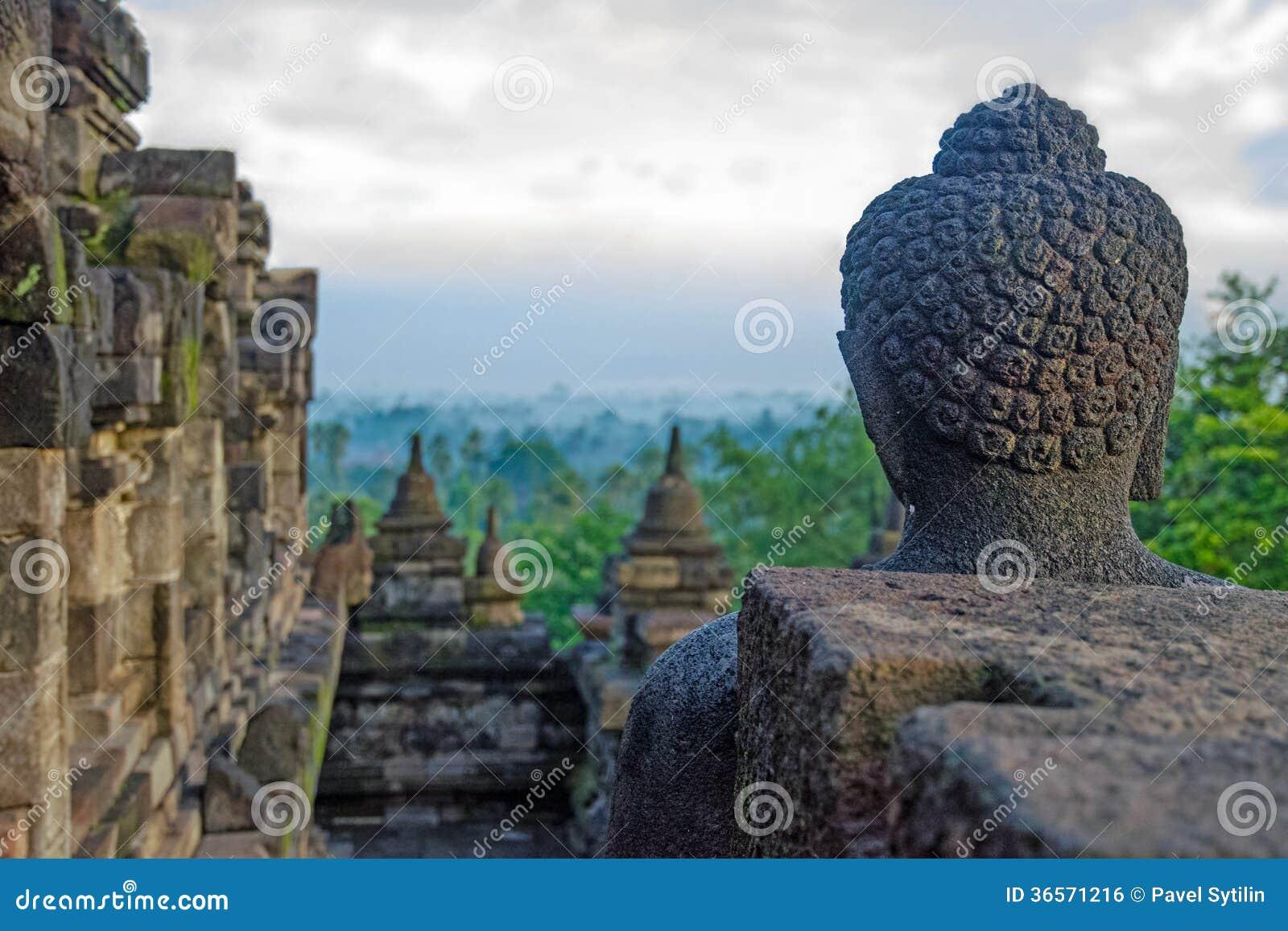 Borobudur nuvoloso