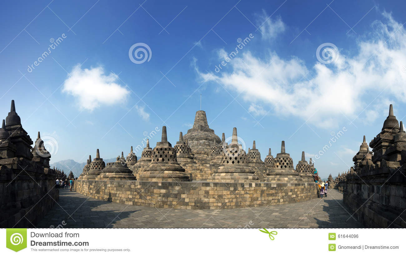 Magelang Indonesia  city pictures gallery : MAGELANG, INDONESIA AUG 14: Tourists enjoy the spectecular sight of ...