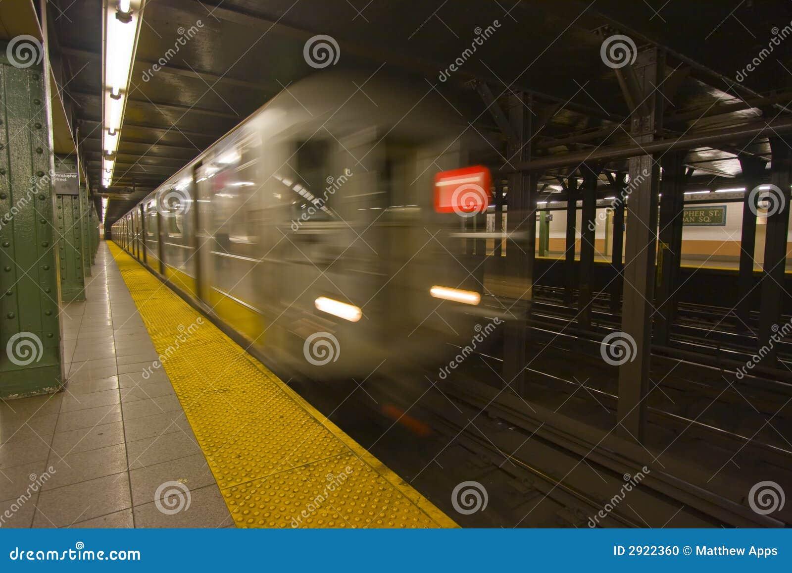 Borrão de movimento do metro de New York